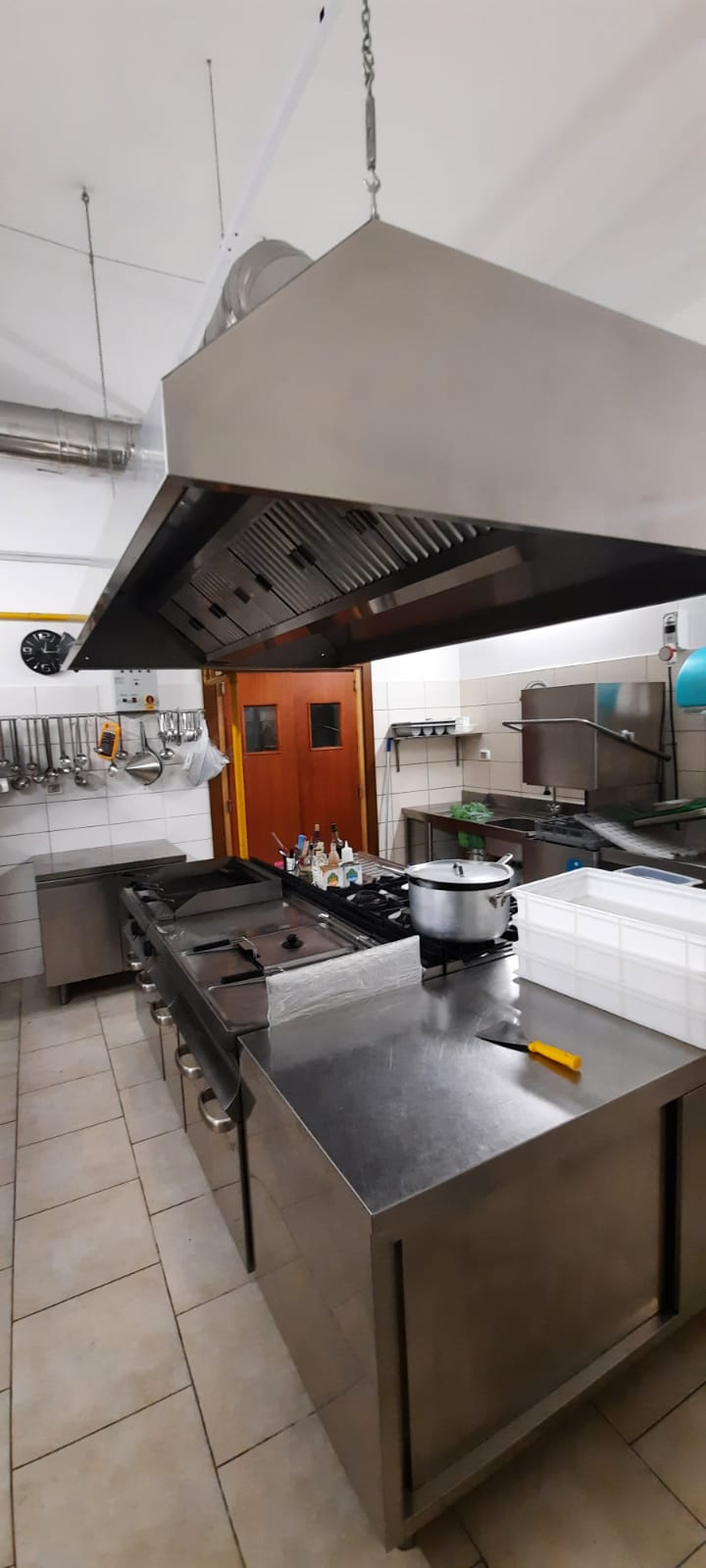 Cucina completa, sala e bar in vendita - foto 1