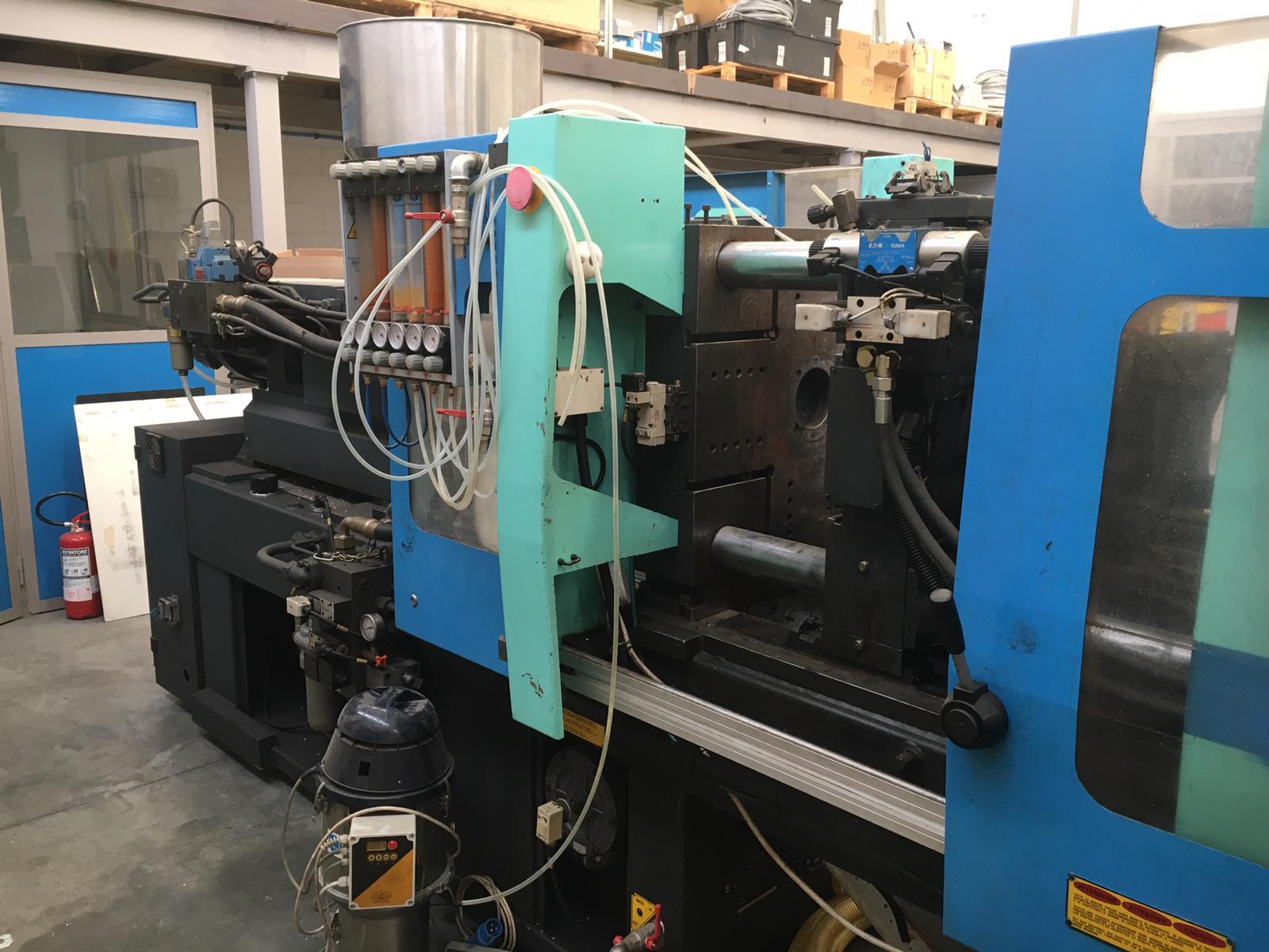 Pressa a iniezione per stampaggio plastica in vendita - foto 1