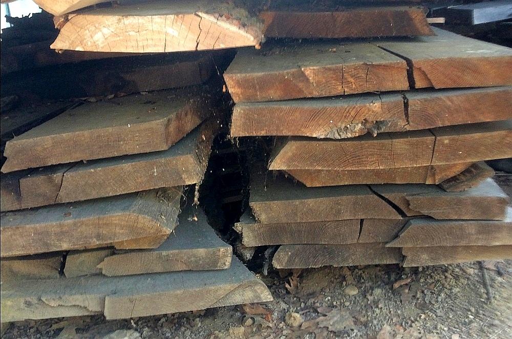 Stock legno in vendita