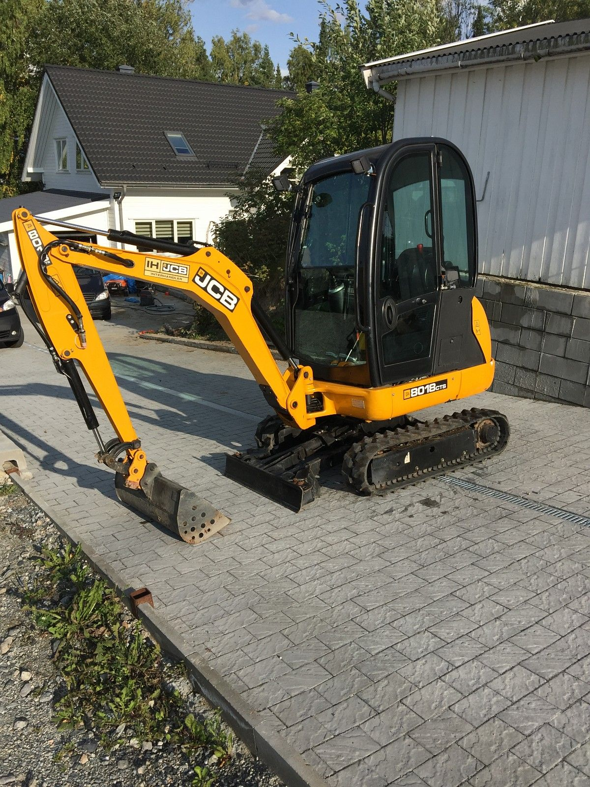 Mini escavatore JCB Mod.8018 in vendita - foto 1