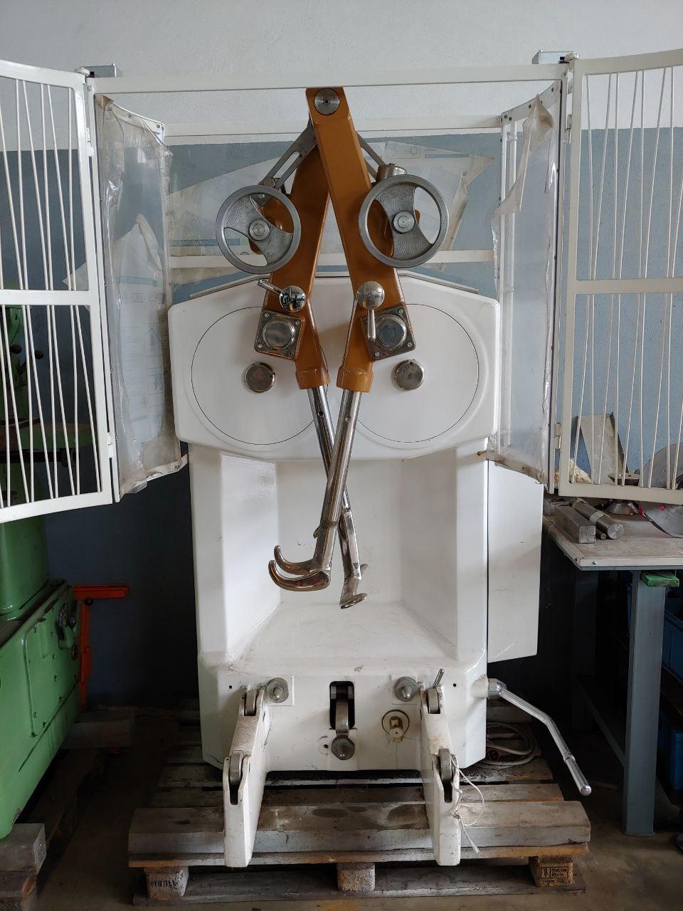 Impastatrice a bracci tuffanti Sottoriva da 120 kg in vendita - foto 2