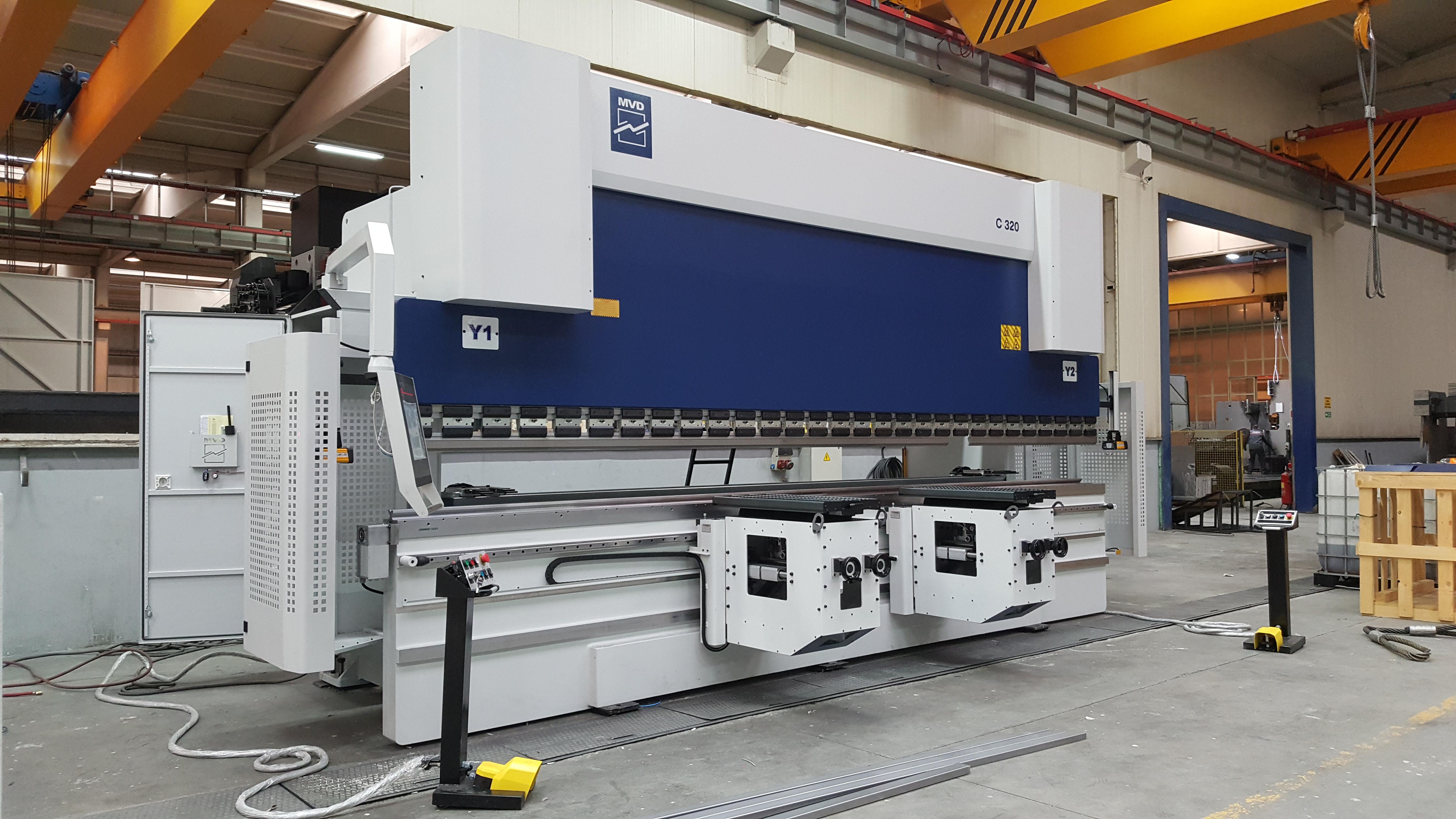 Pressa Piegatrice MVD 6100 X 400 TON CNC 7 assi in vendita - foto 4