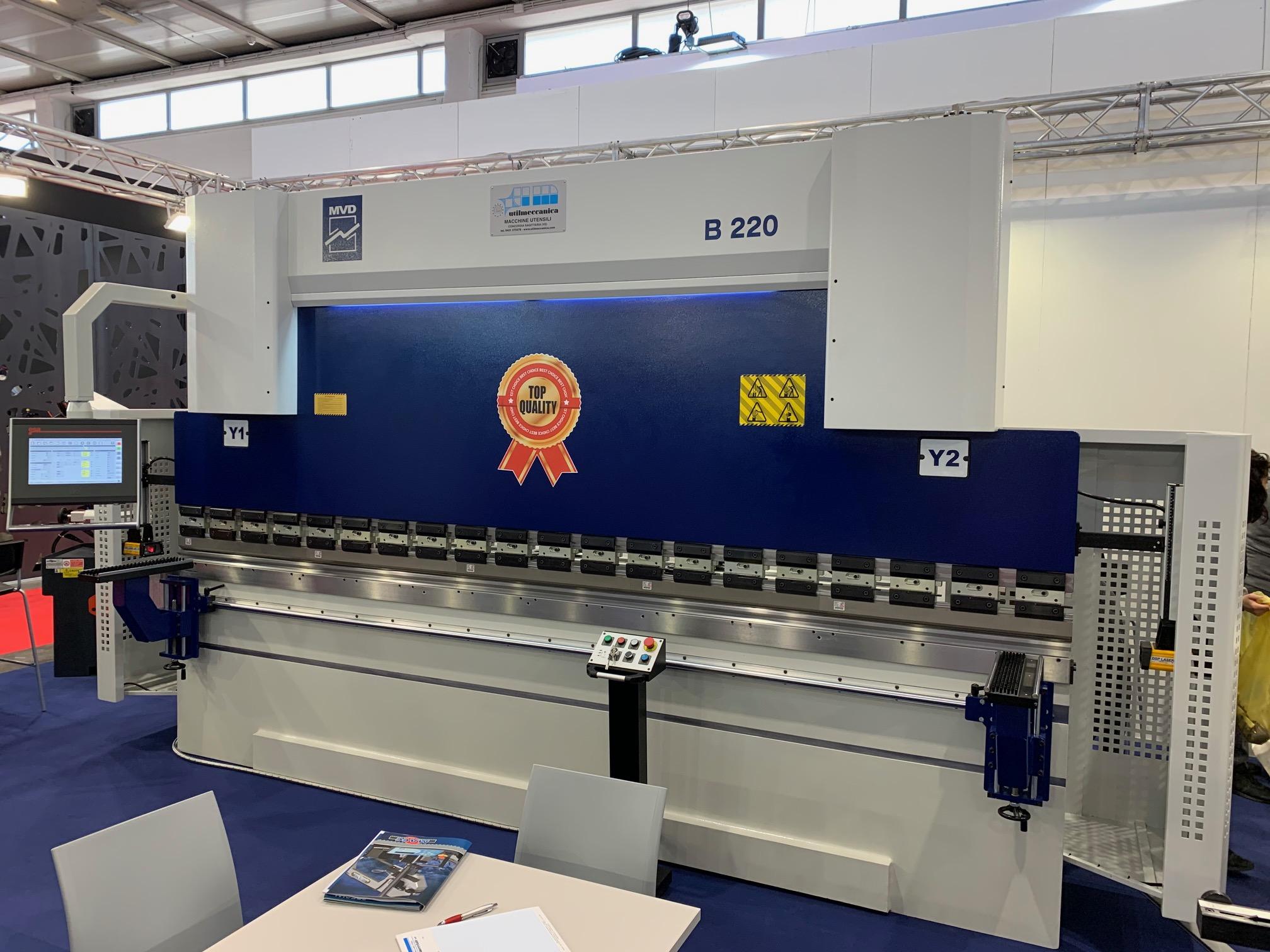 Pressa Piegatrice MVD 4100 X 220 Ton CNC 7 ASSI in vendita - foto 2