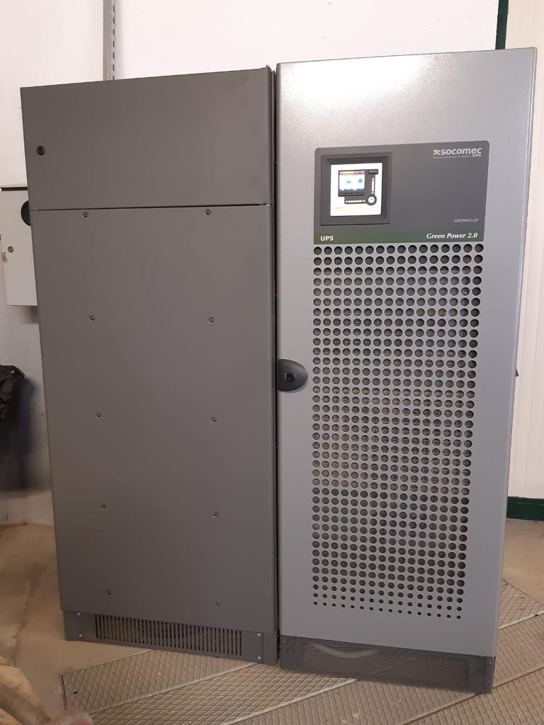 Gruppo di continuità trifase Socomec 200kVA con bypass in vendita - foto 2