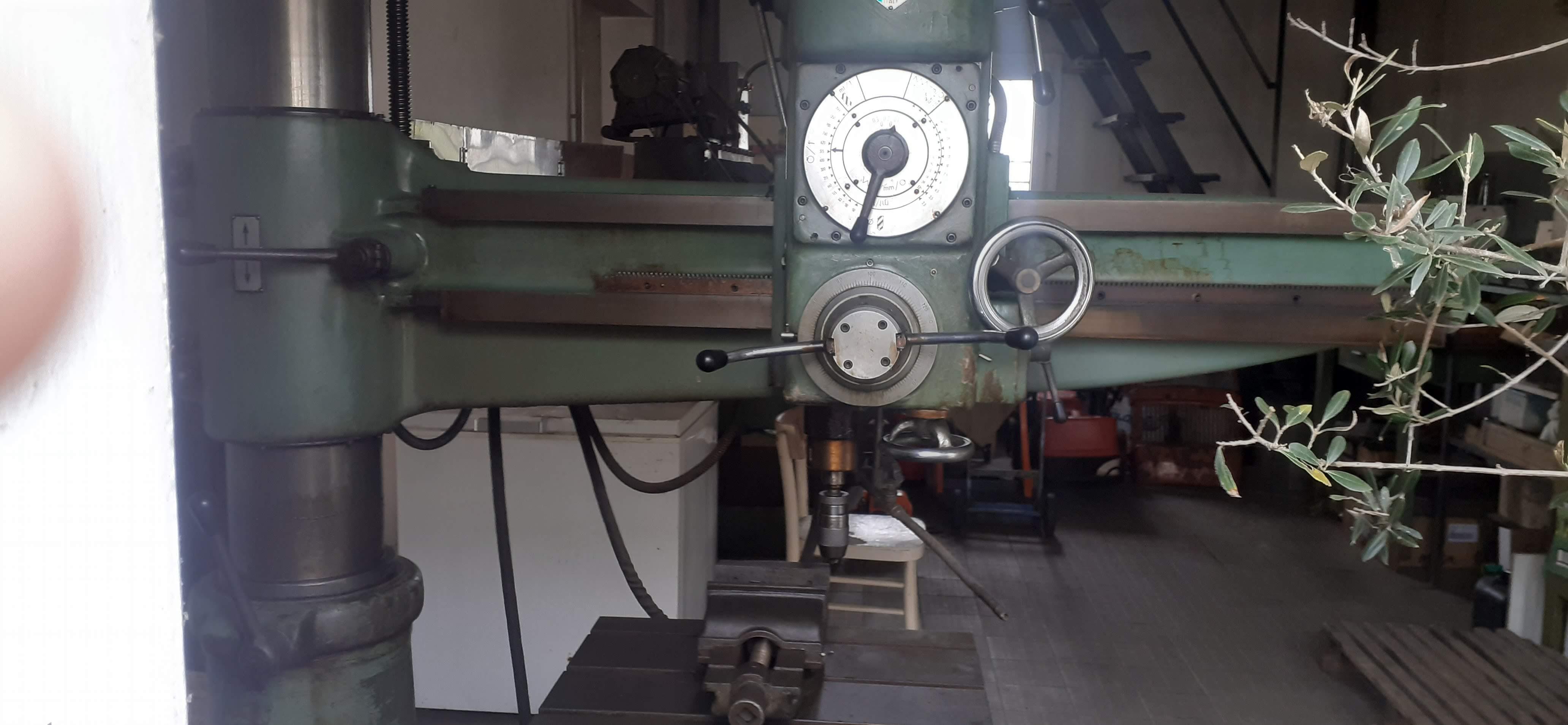 Trapano radiale BREDA1200 30-40,cubo reclinabile  in vendita - foto 2