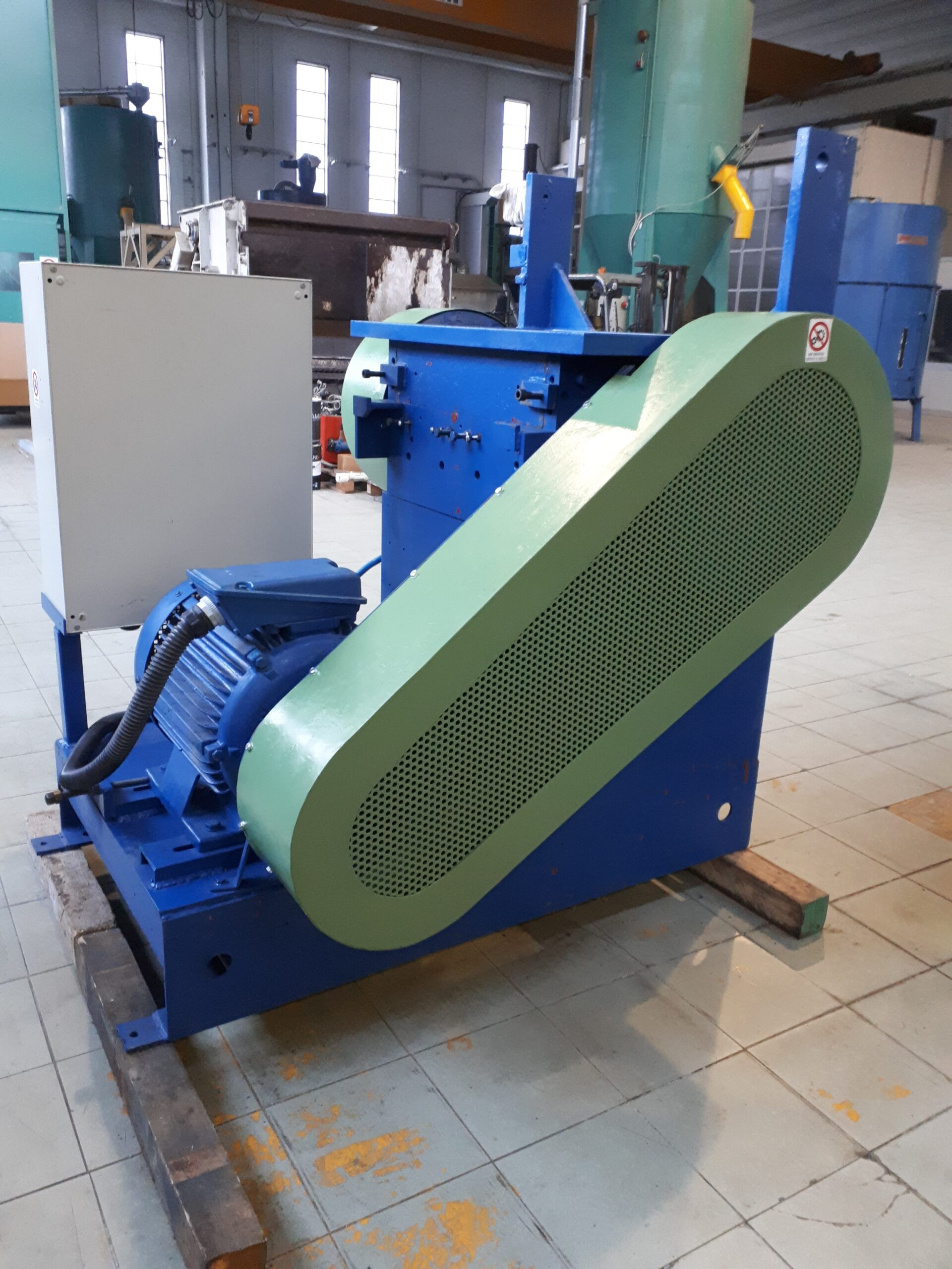 MULINO GRANULATORE 5-700 kg/h 37 kw in vendita - foto 4
