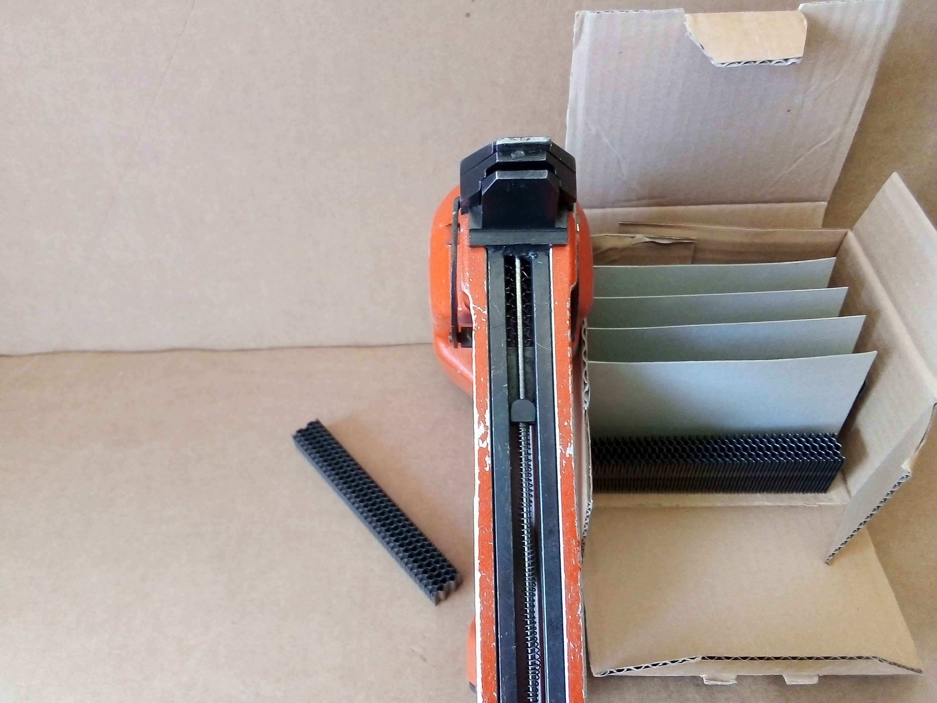 Fissatrice per lamelle ondulate NIKEMA in vendita - foto 4