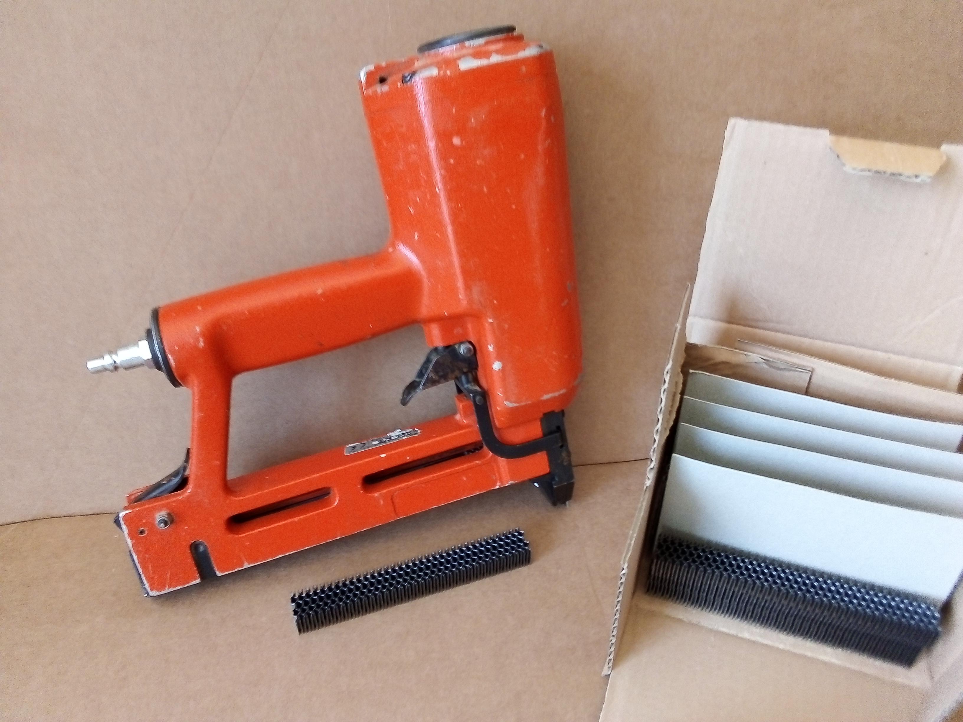 Fissatrice per lamelle ondulate NIKEMA in vendita - foto 3
