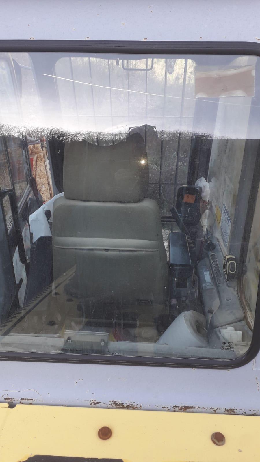 ESCAVATORE NEW HOLLAND E385 B in vendita - foto 10