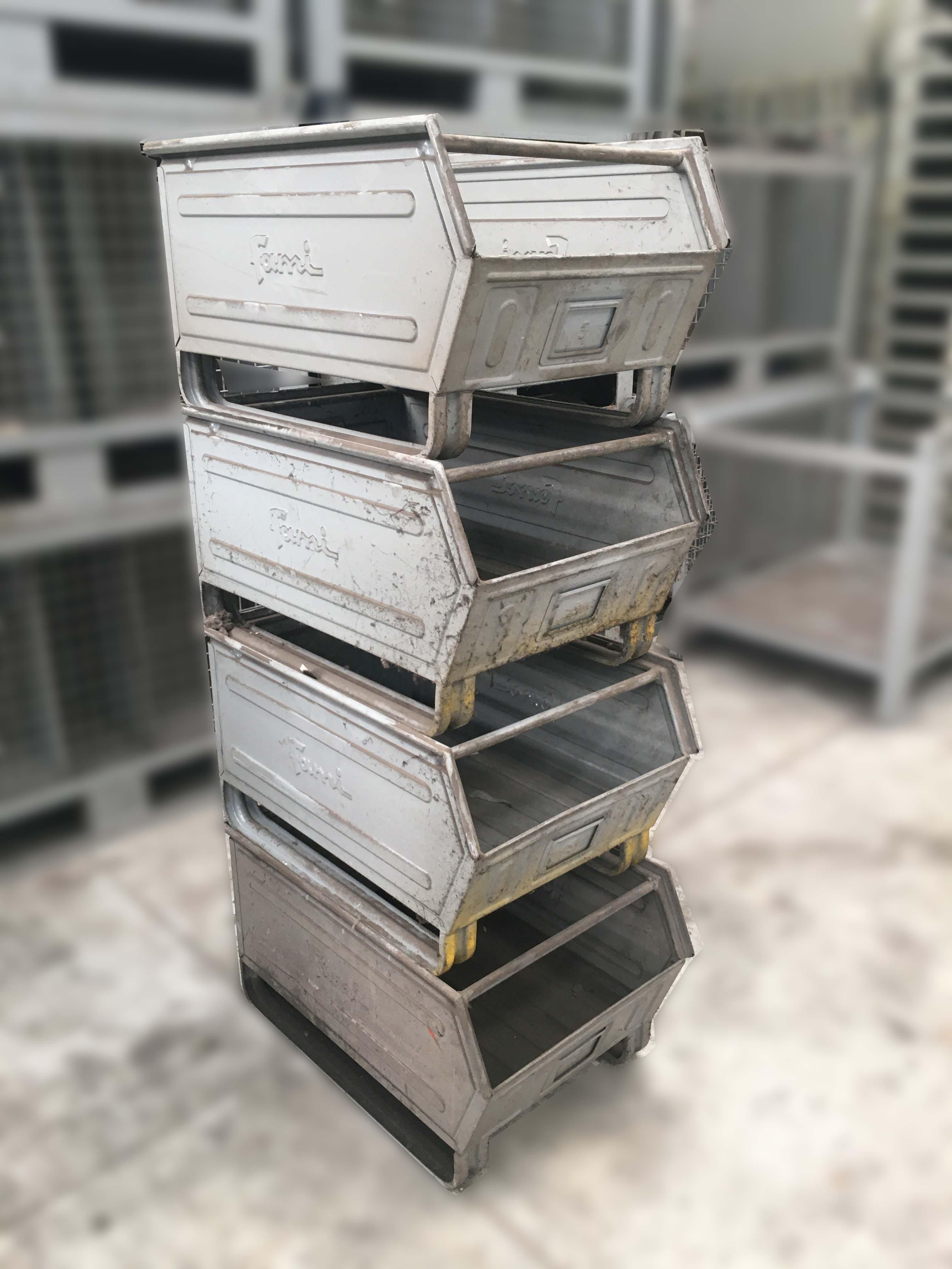Cassette o contenitori a bocca di lupo con slitta Fami  in vendita - foto 7