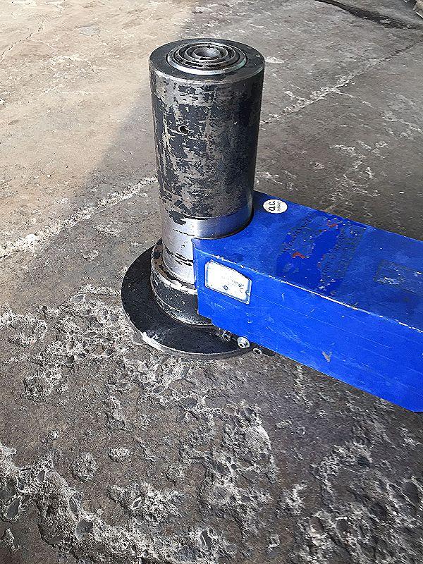 Martinetto idraulico con carrello e timone in vendita - foto 6