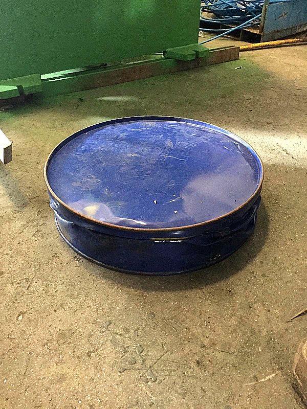 Pressa per schiacciare bidoni in ferro in vendita - foto 11