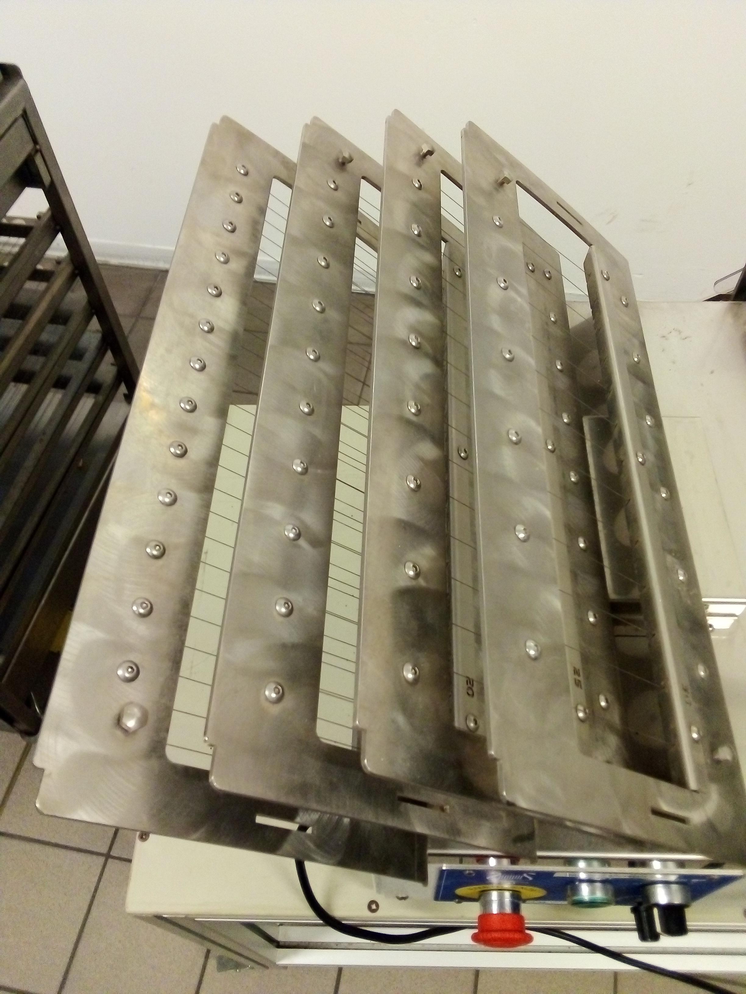 Chitarre per cioccolato manuali e automatica in vendita - foto 5