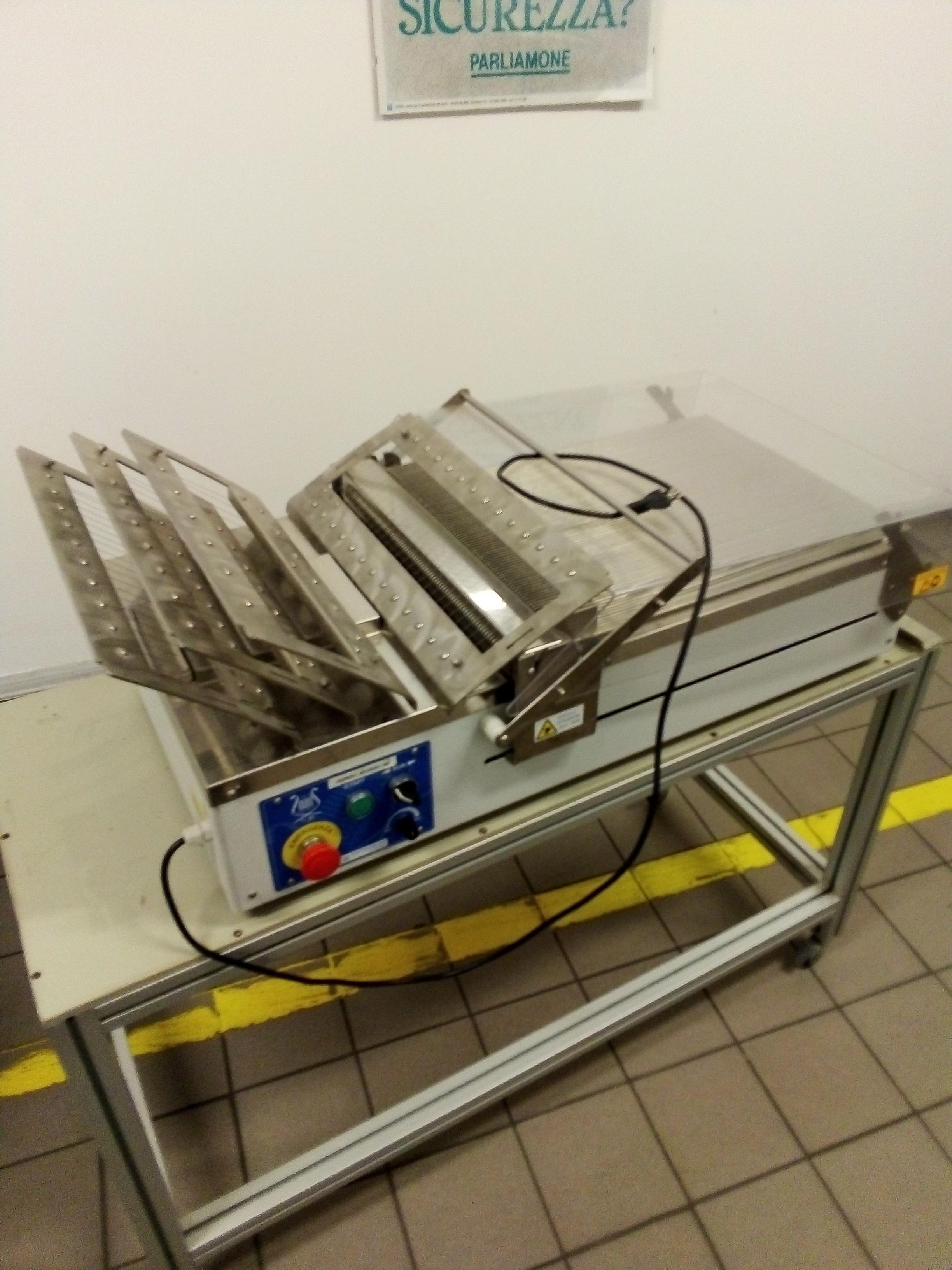 Chitarre per cioccolato manuali e automatica in vendita - foto 6