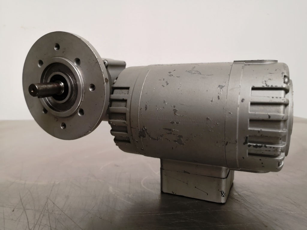 MOTORIDUTTORE – WEG  (COD. RIC-MOT-33) in vendita - foto 1