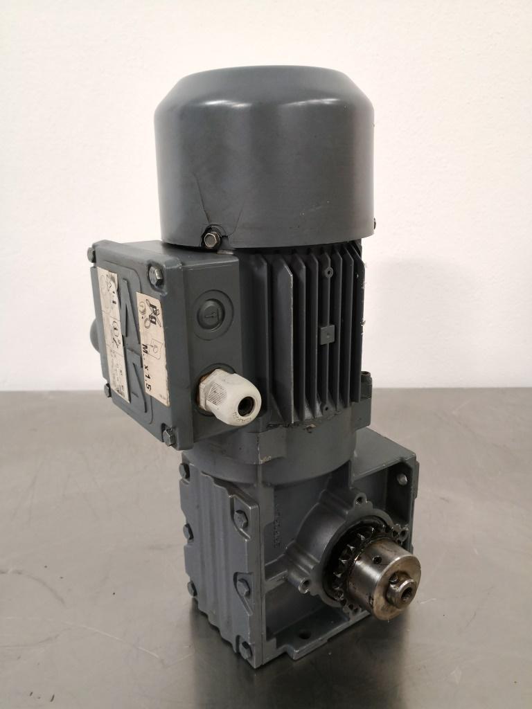 MOTORIDUTTORE – SEW-USOCOME  (COD. RIC-MOT-39) in vendita - foto 1