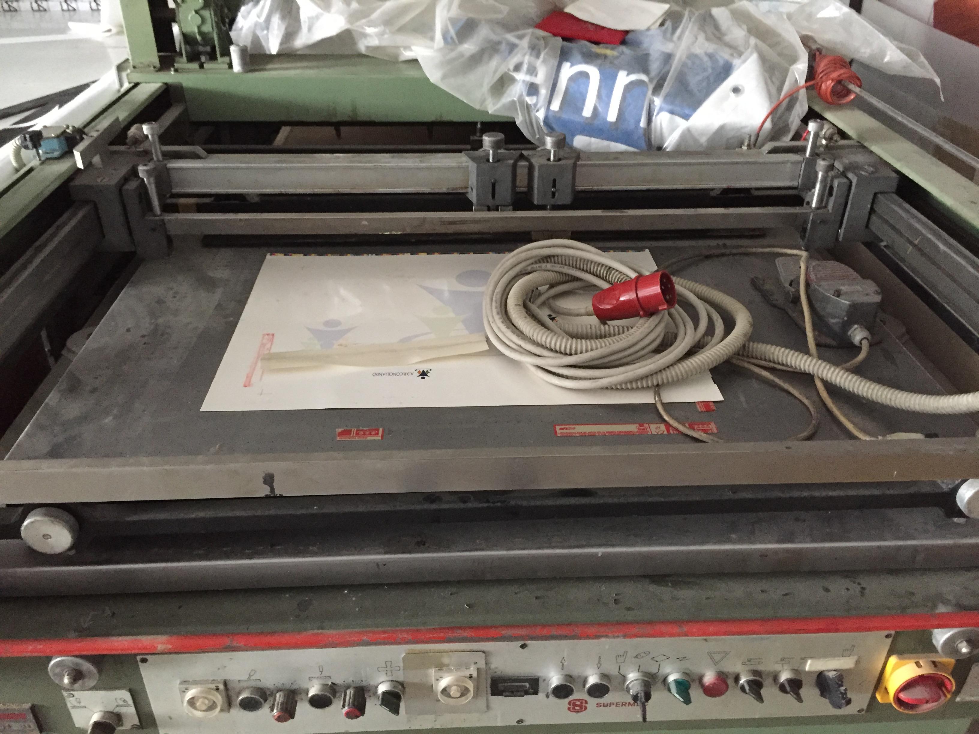 Linea serigrafica semiautomatica con forno UV in vendita - foto 4