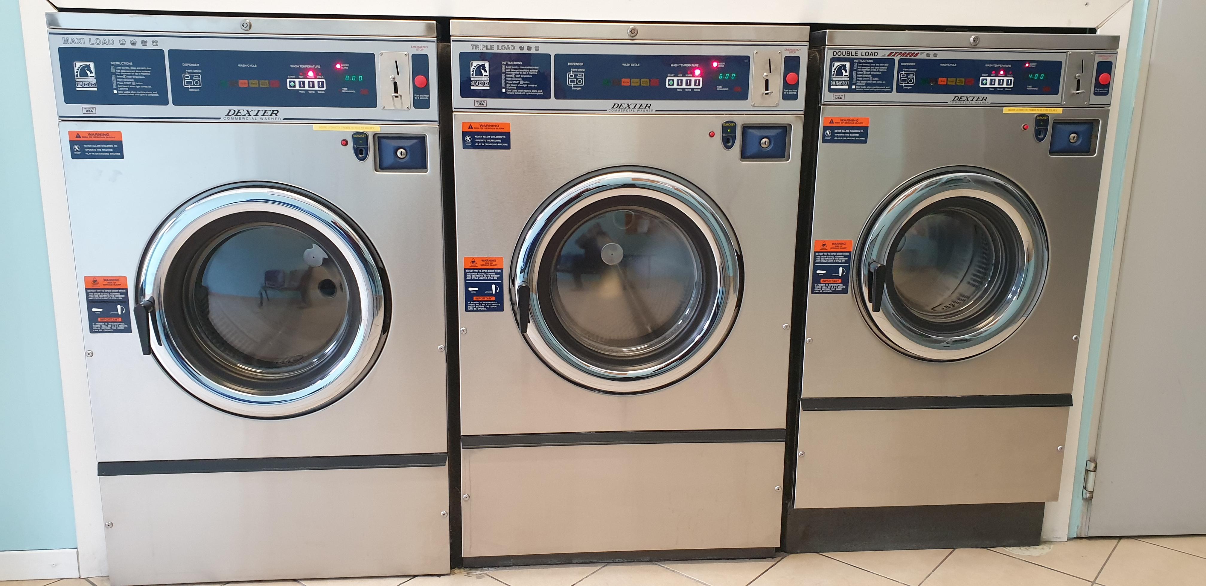 Attrezzatura completa per lavanderia self-service in vendita - foto 1