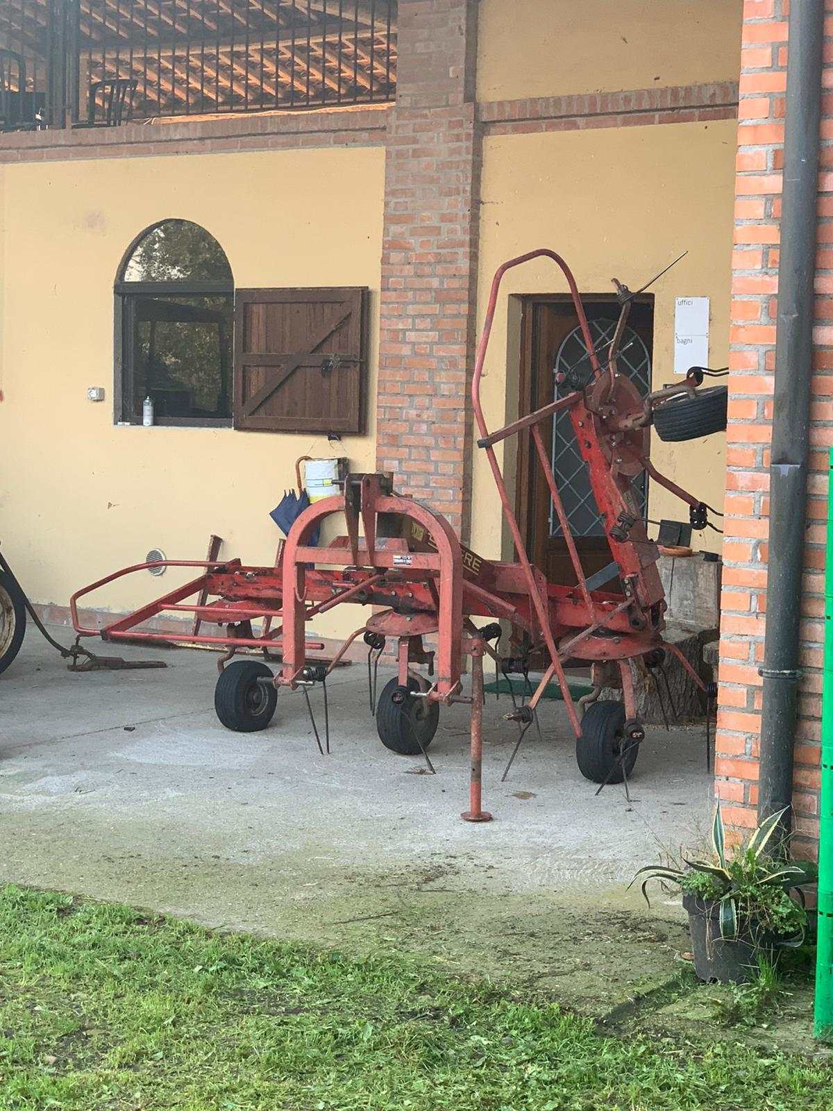 MACCHINARI E ATTREZZATURE AGRICOLE in vendita - foto 8