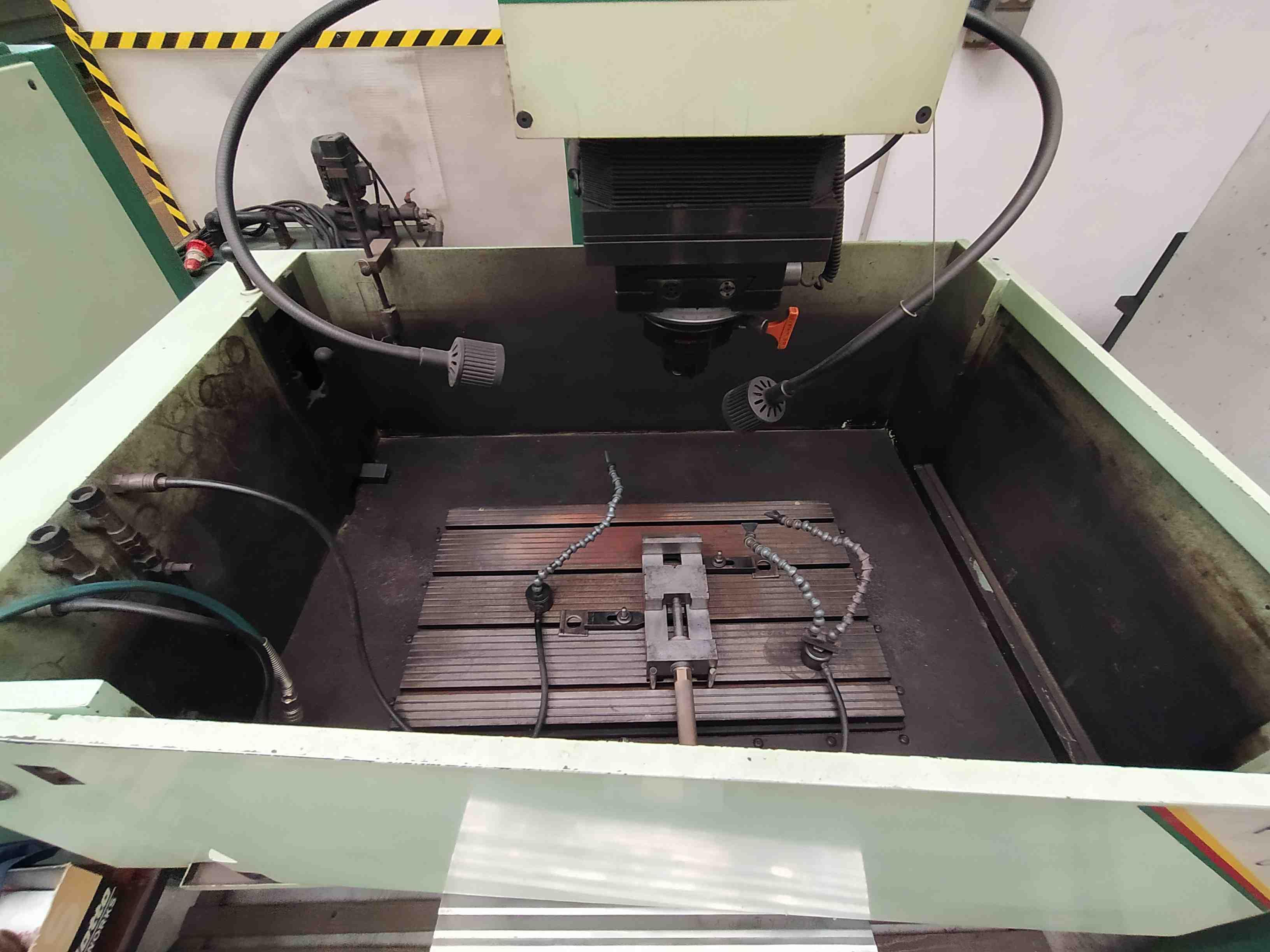 Elettroerosione a CNC CDM Rovella HYDRA in vendita - foto 2