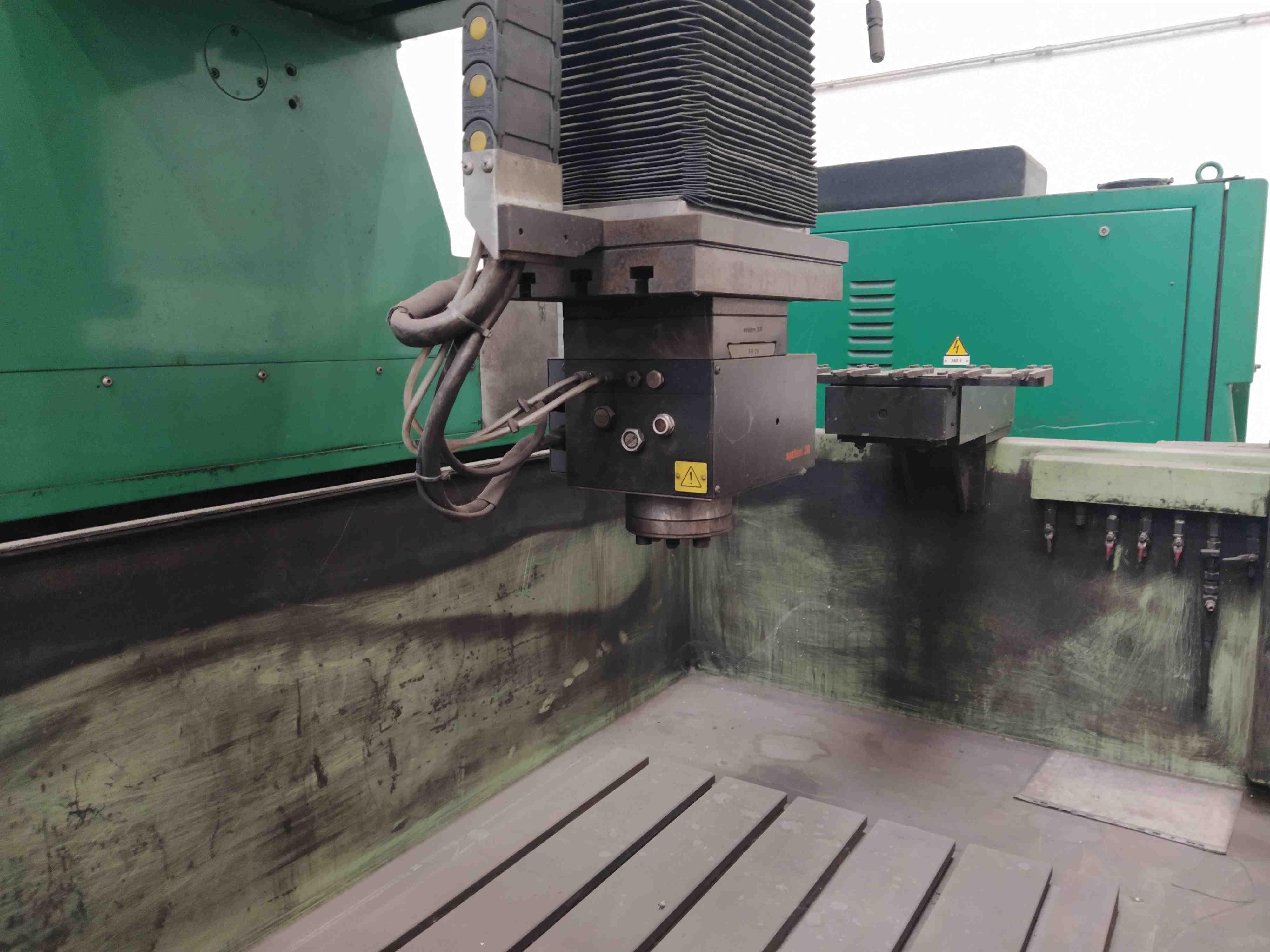 Elettroerosione a CNC, CDM Rovella VEGA F. in vendita - foto 2