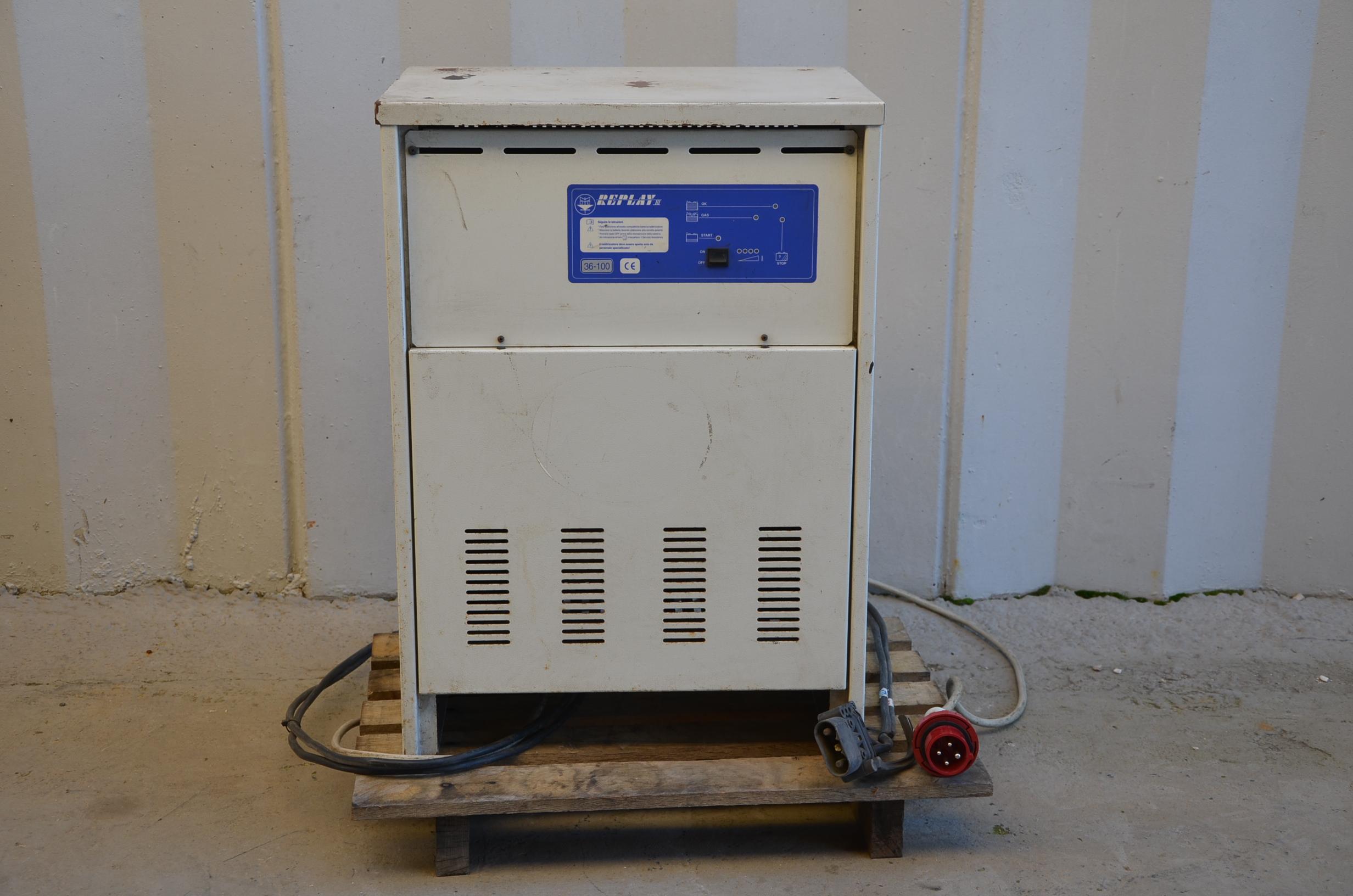 Caricabatterie muletto 36V - REPLAY III in vendita - foto 1