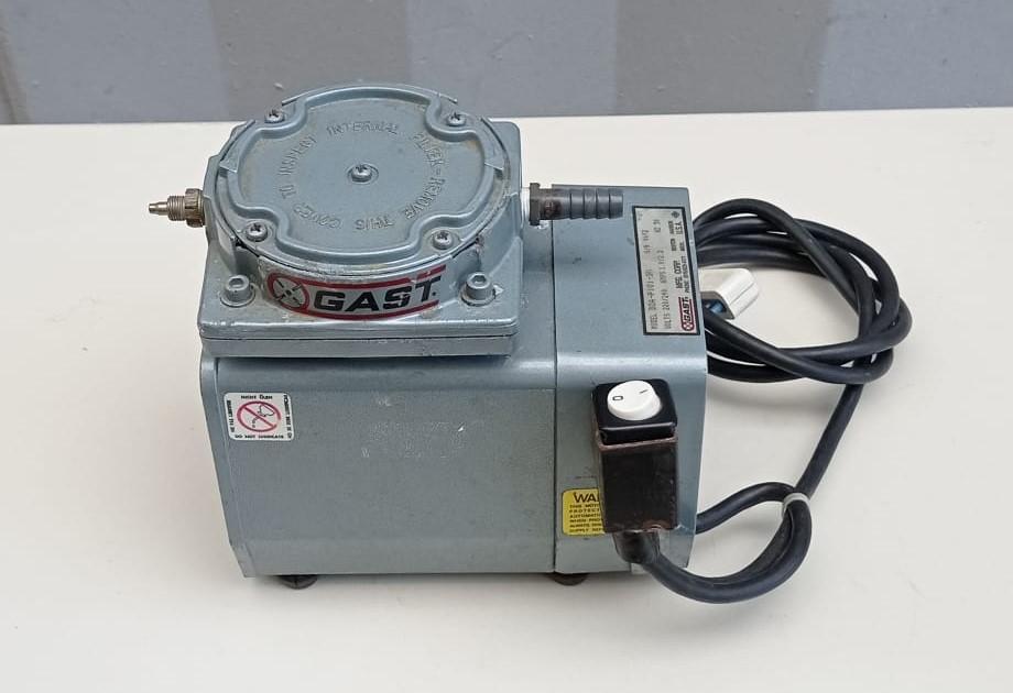 Pompa per vuoto - GAST mod. DOA-P101-BN in vendita - foto 2