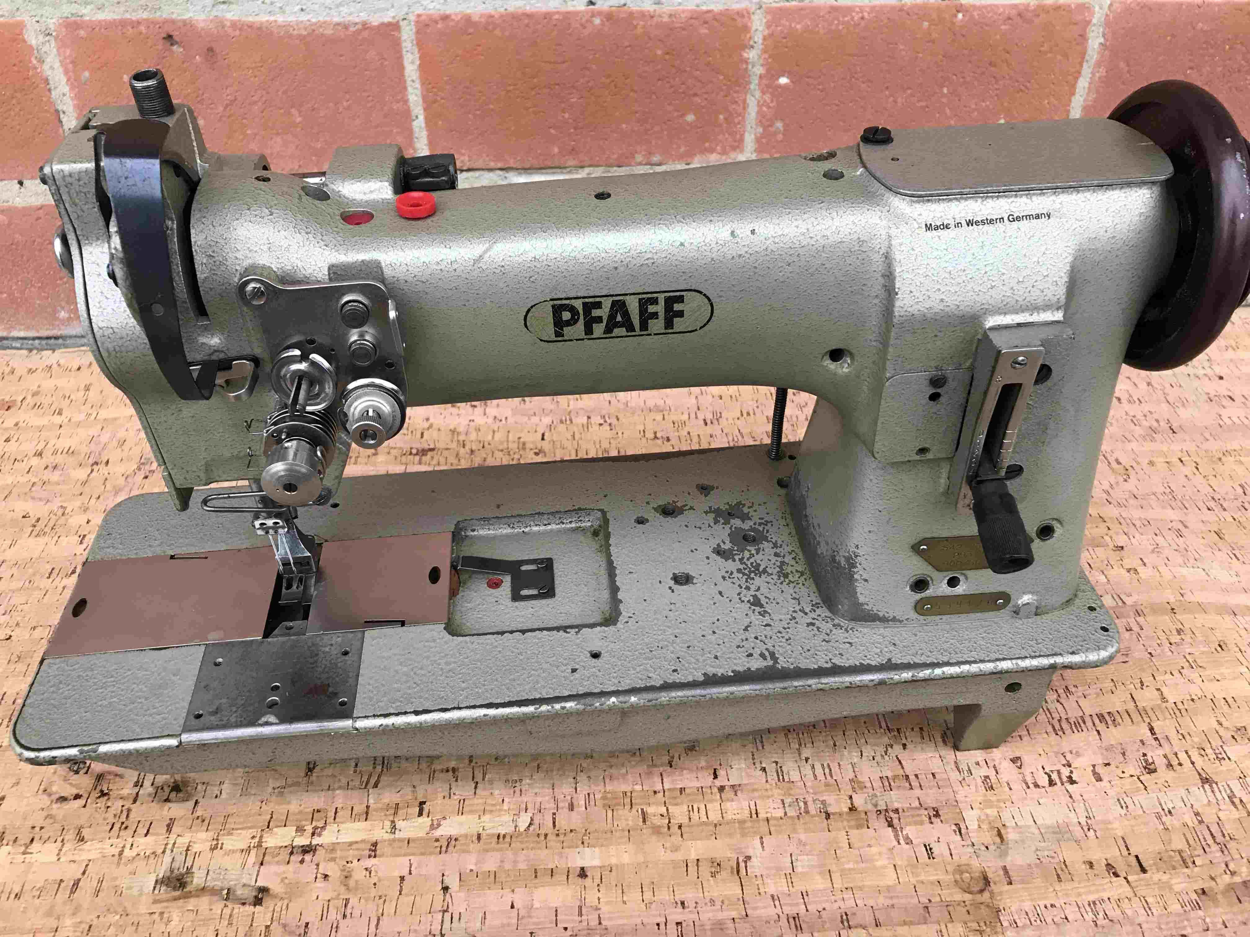 PFAFF 542 triplice trasporto - 2 Aghi in vendita - foto 1