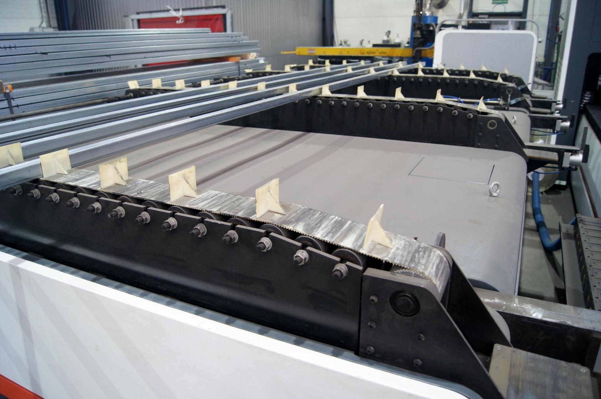 Laser per il taglio di tubi e profili BODOR T6E in vendita - foto 7