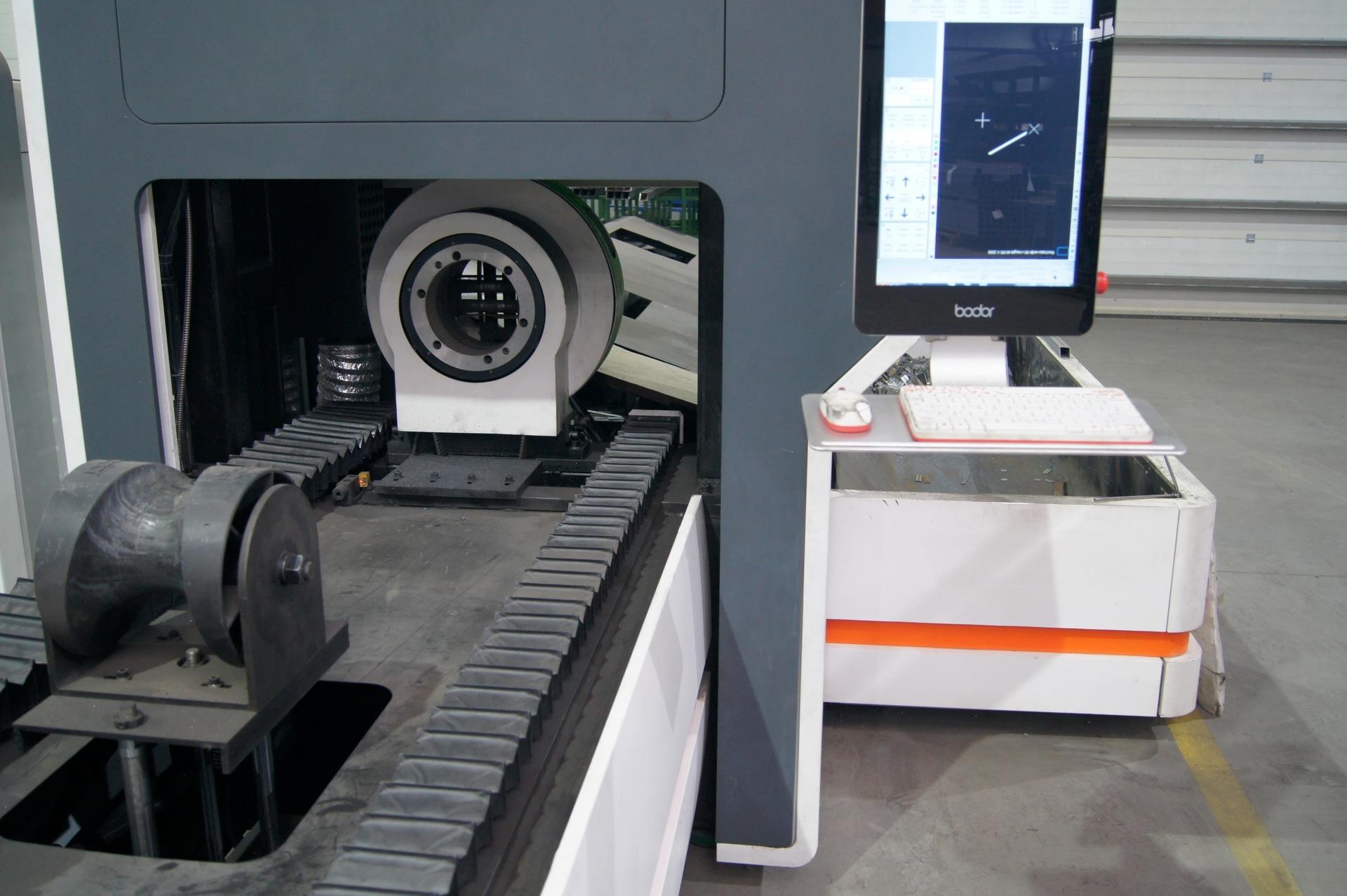 Laser per il taglio di tubi e profili BODOR T6E in vendita - foto 3