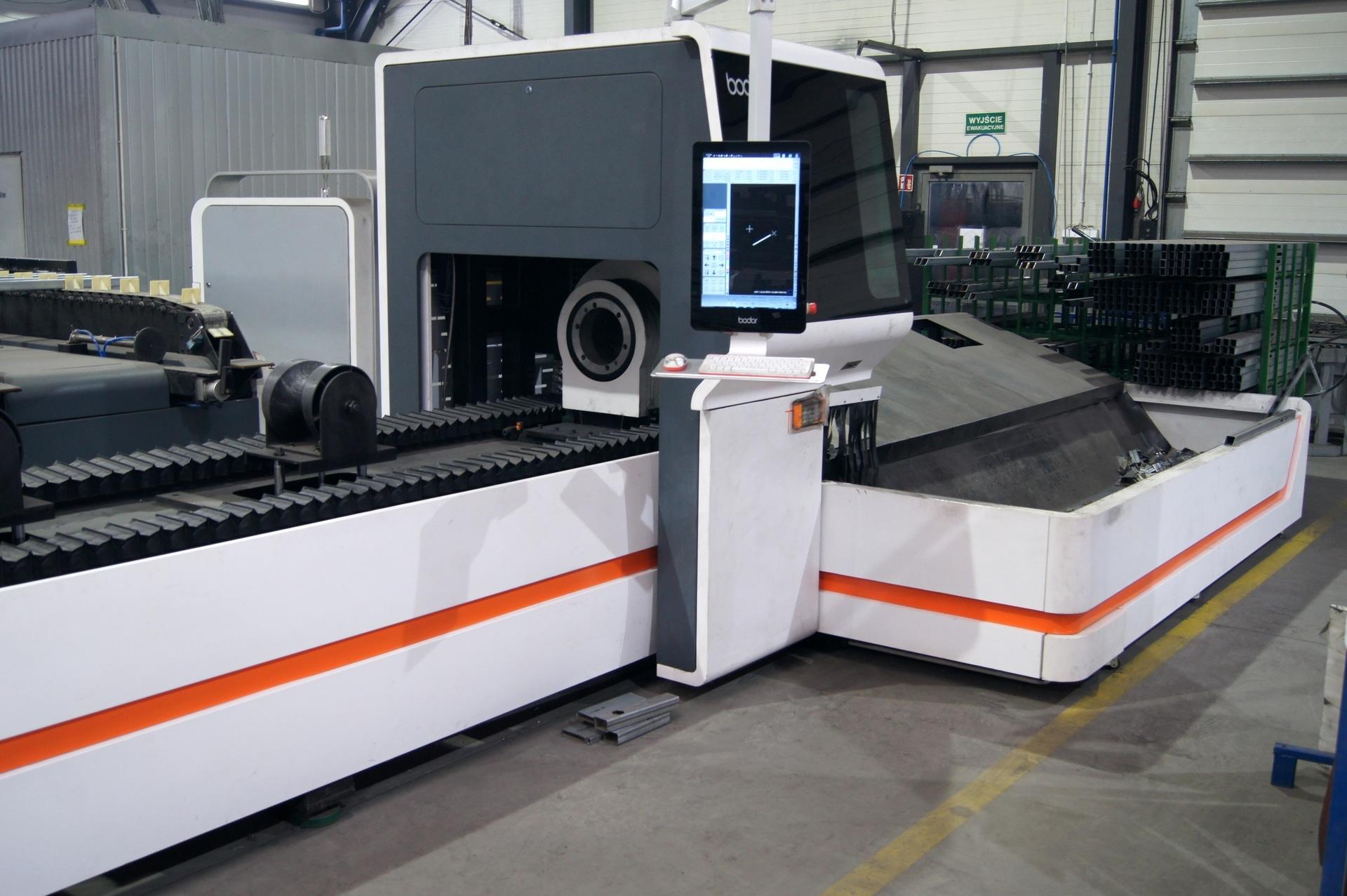 Laser per il taglio di tubi e profili BODOR T6E in vendita - foto 1