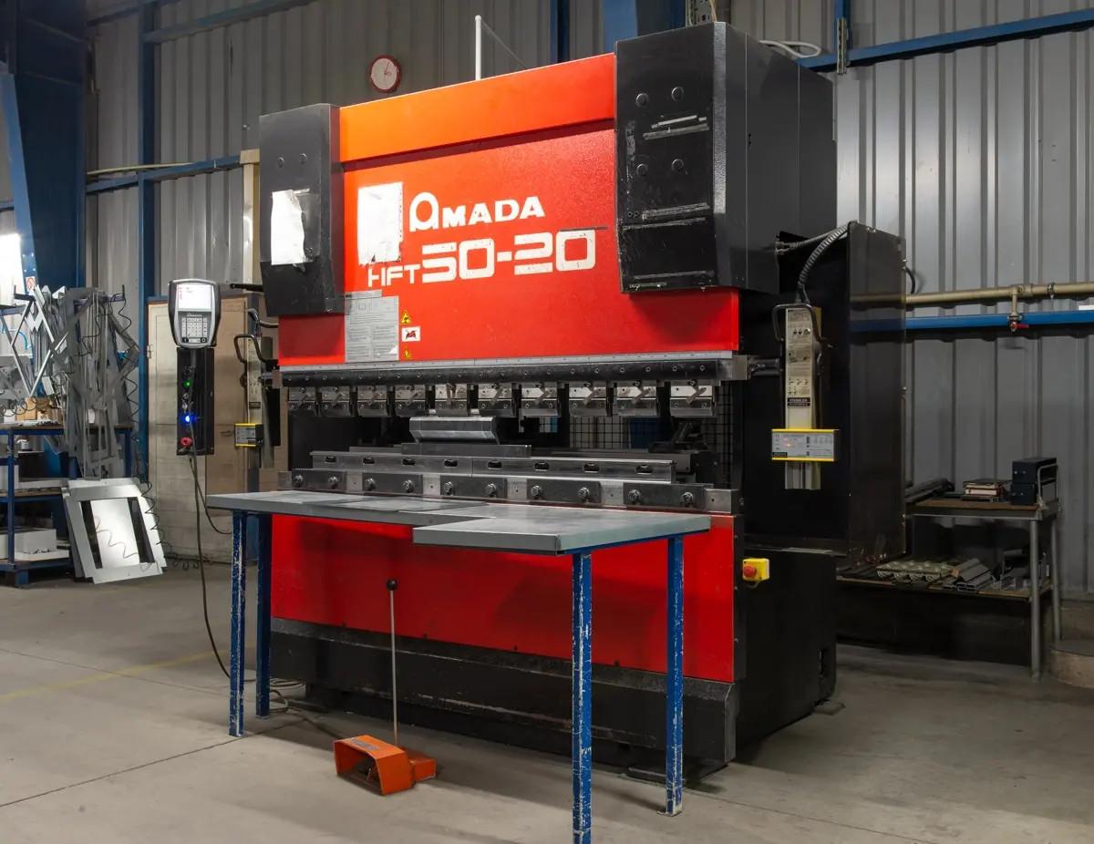 Pressa piegatrice CNC AMADA HFT 50-20 in vendita - foto 2