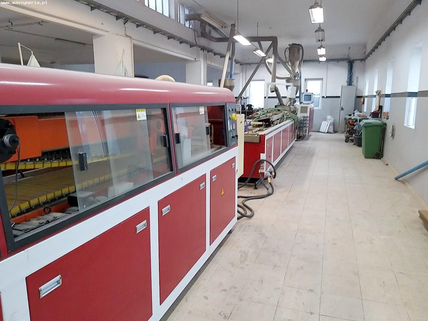 Linea di produzione di decking composito in PVC JWELL in vendita - foto 1