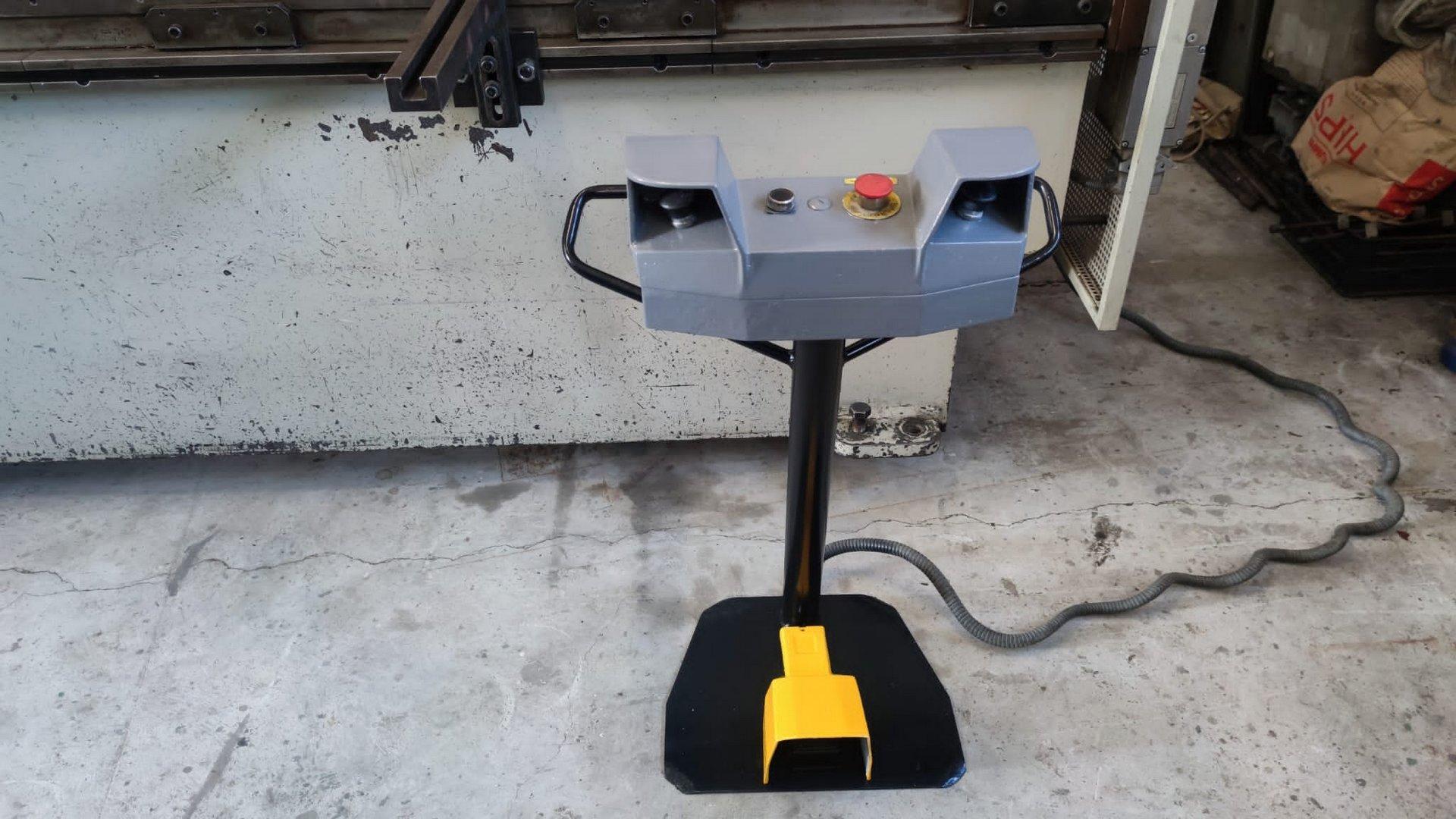Pressa piegatrice idraulica CNC DURMA HAP 2580 in vendita - foto 2