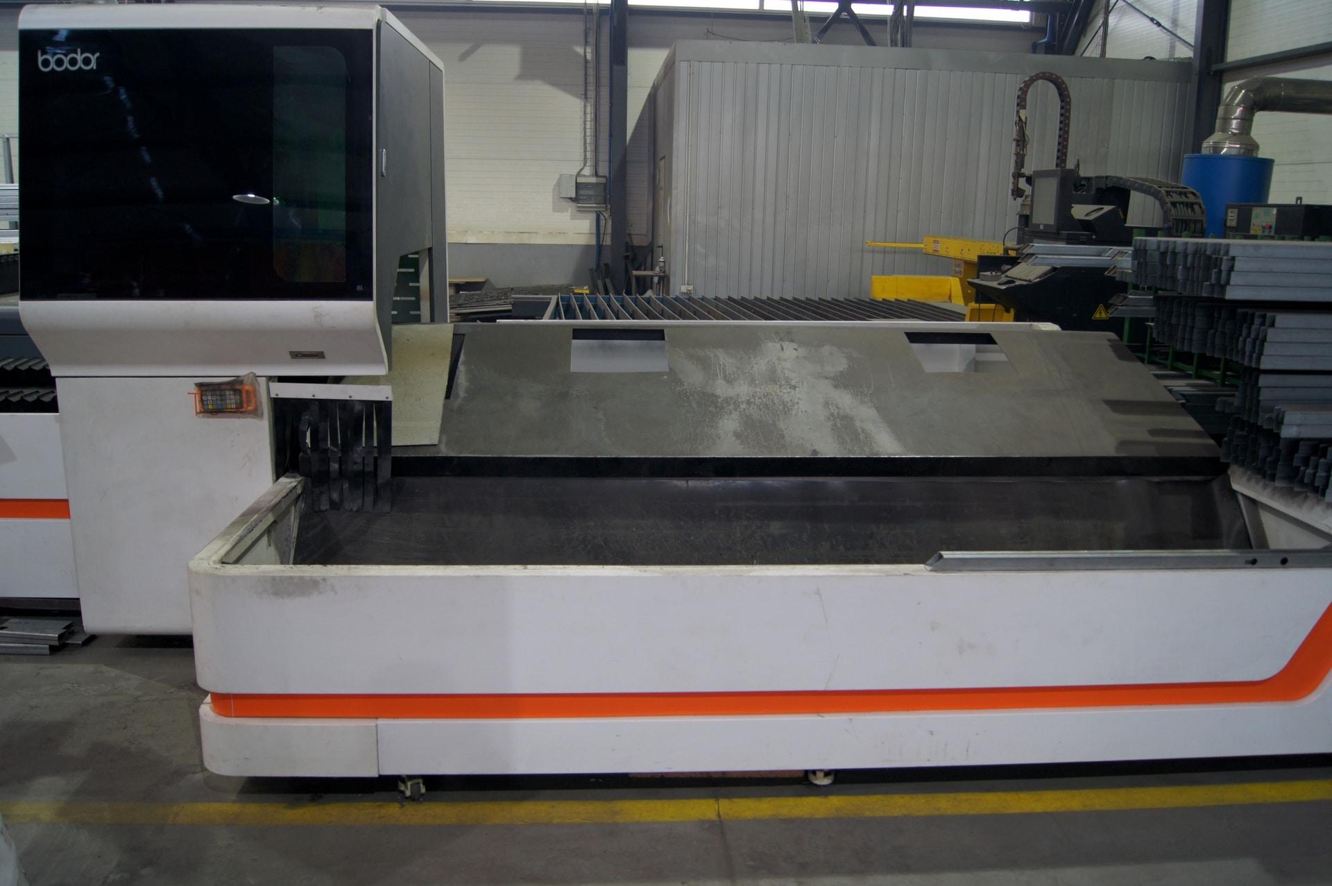 Laser per il taglio di tubi e profili BODOR T6E in vendita - foto 5