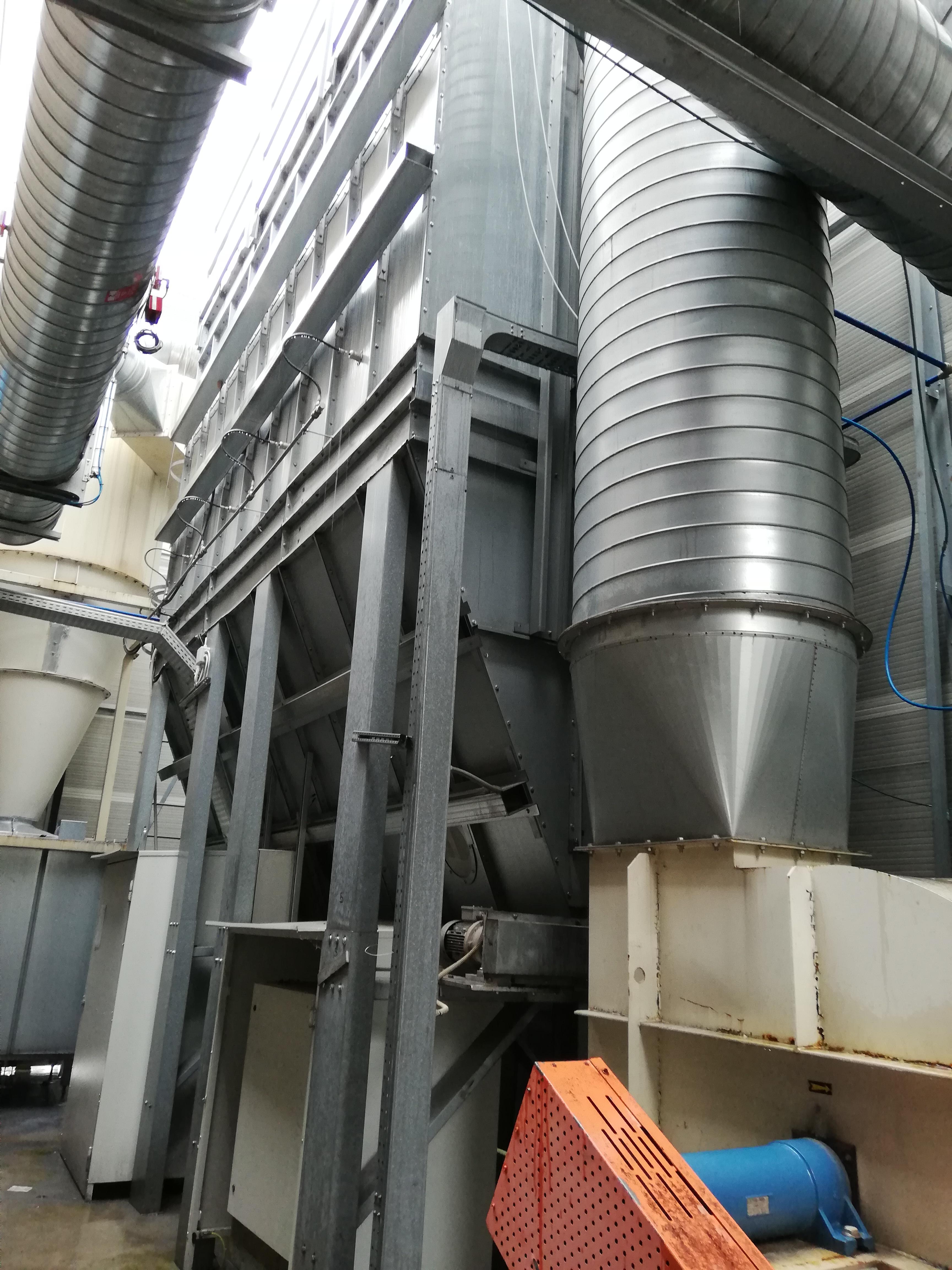 Impianto di aspirazione e filtrazione polveri  in vendita - foto 1