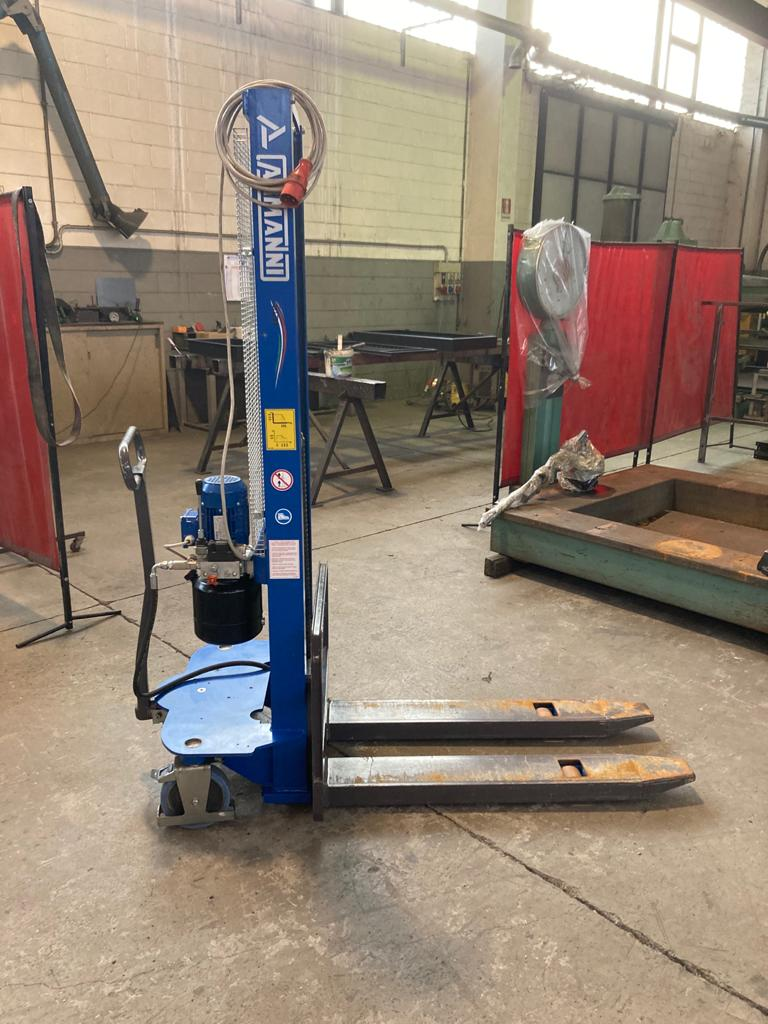Carrello elevatore elettrico Armanni 1000 kg. in vendita - foto 1
