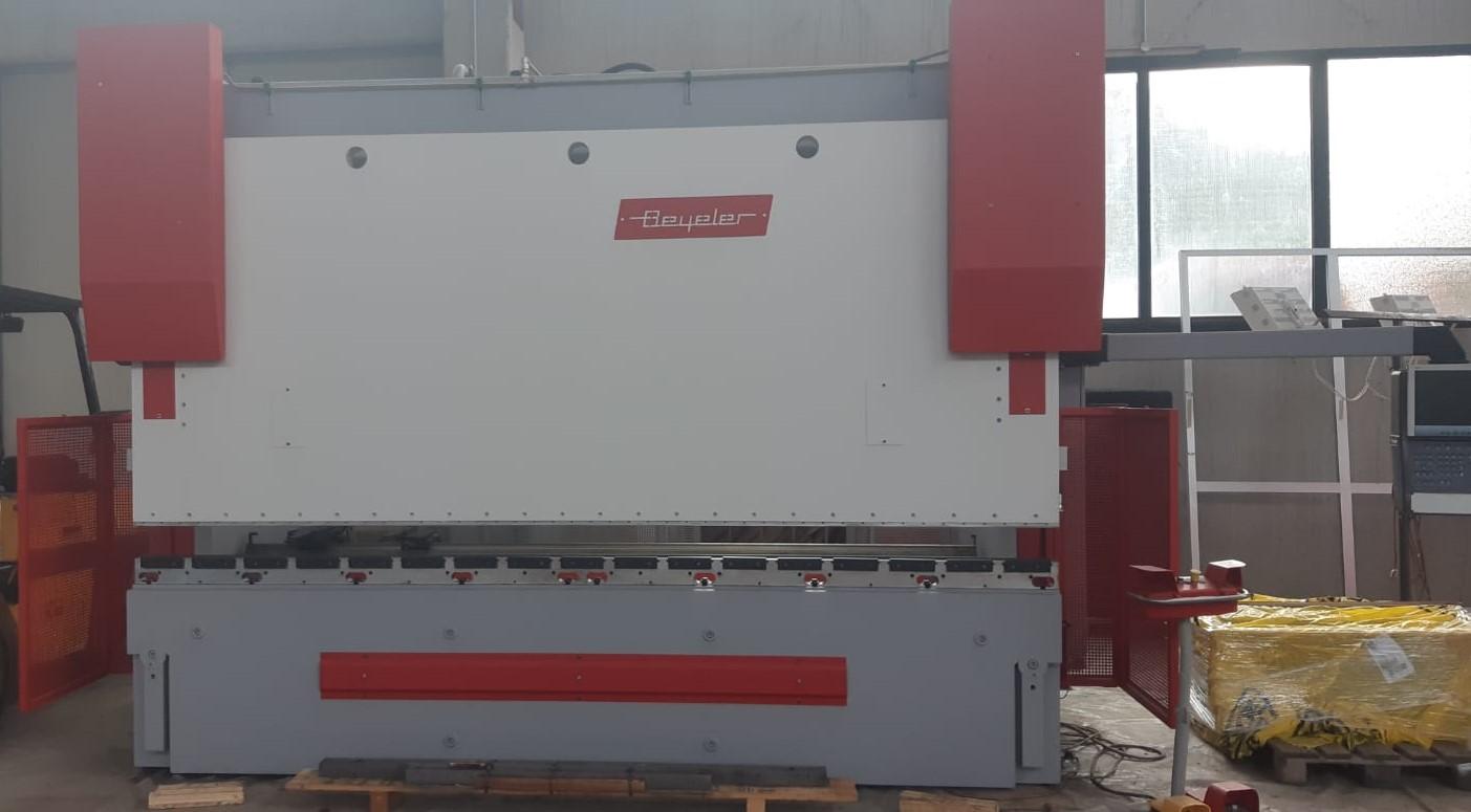 Piegatrice idraulica Beyeler Pr 10 3100 mm x 150 ton in vendita - foto 3