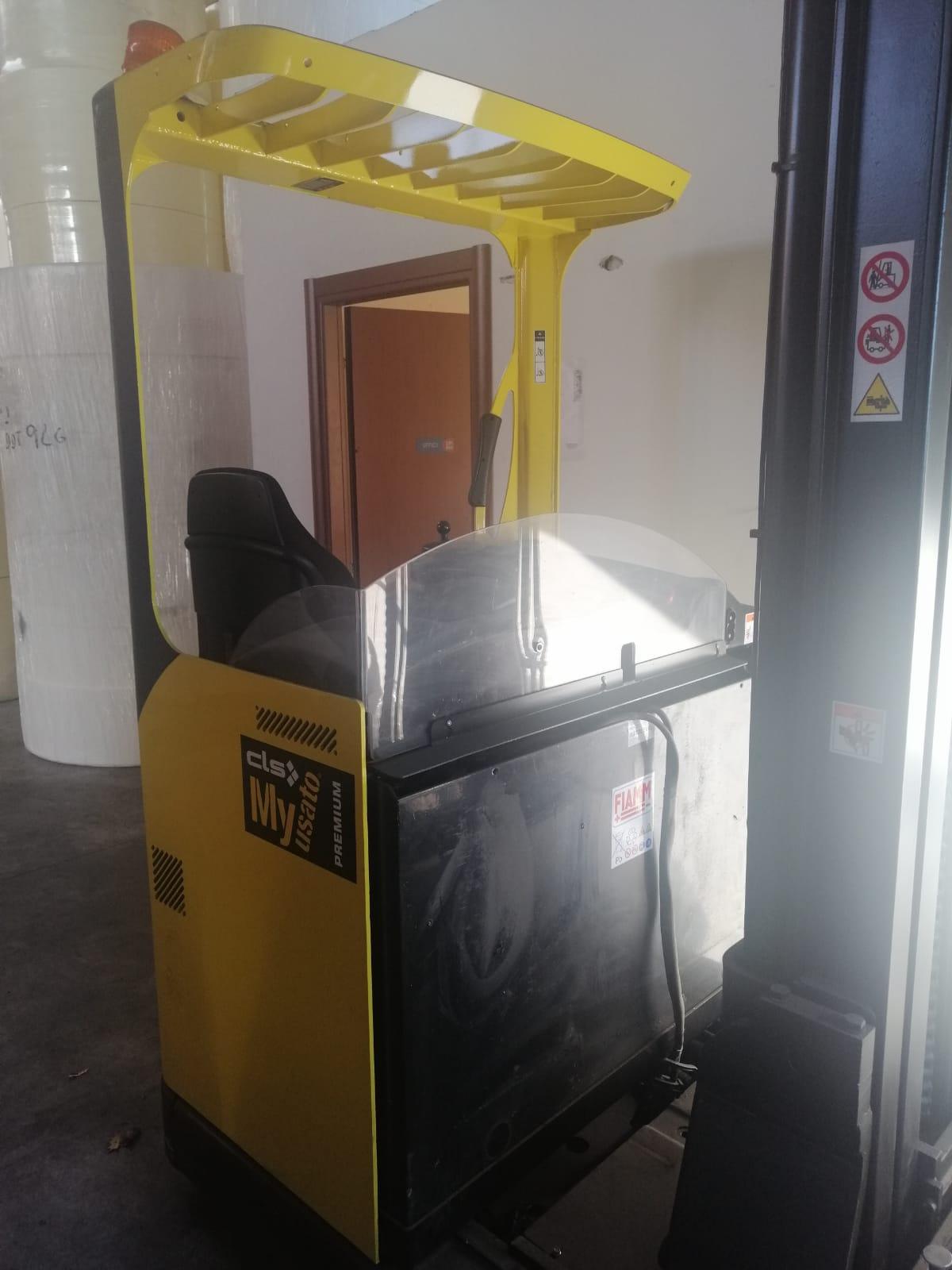 Carrello elevatore retrattile hyster  Modello r 1.4 in vendita - foto 2