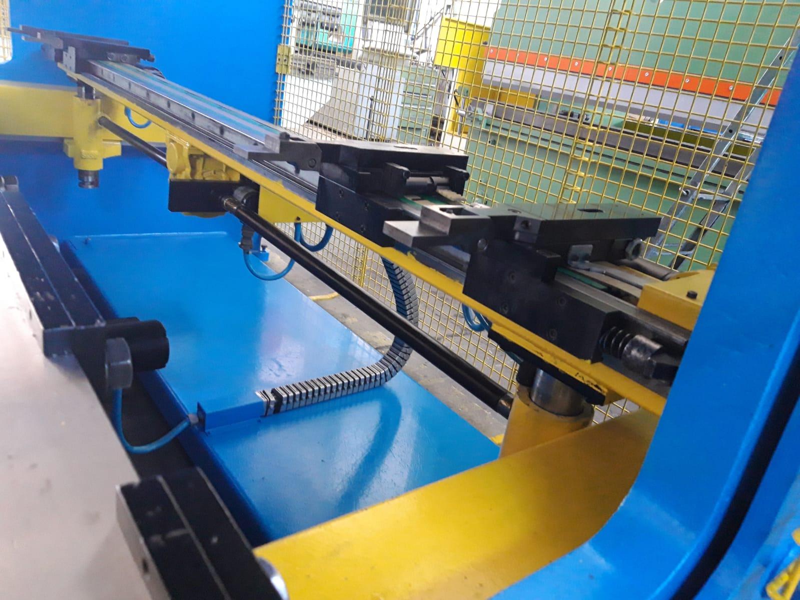 Piegatrice sincronizzata Gasparini 3000 mm x 105 ton in vendita - foto 4