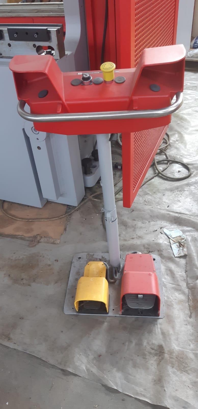 Piegatrice idraulica Beyeler Pr 10 3100 mm x 150 ton in vendita - foto 4
