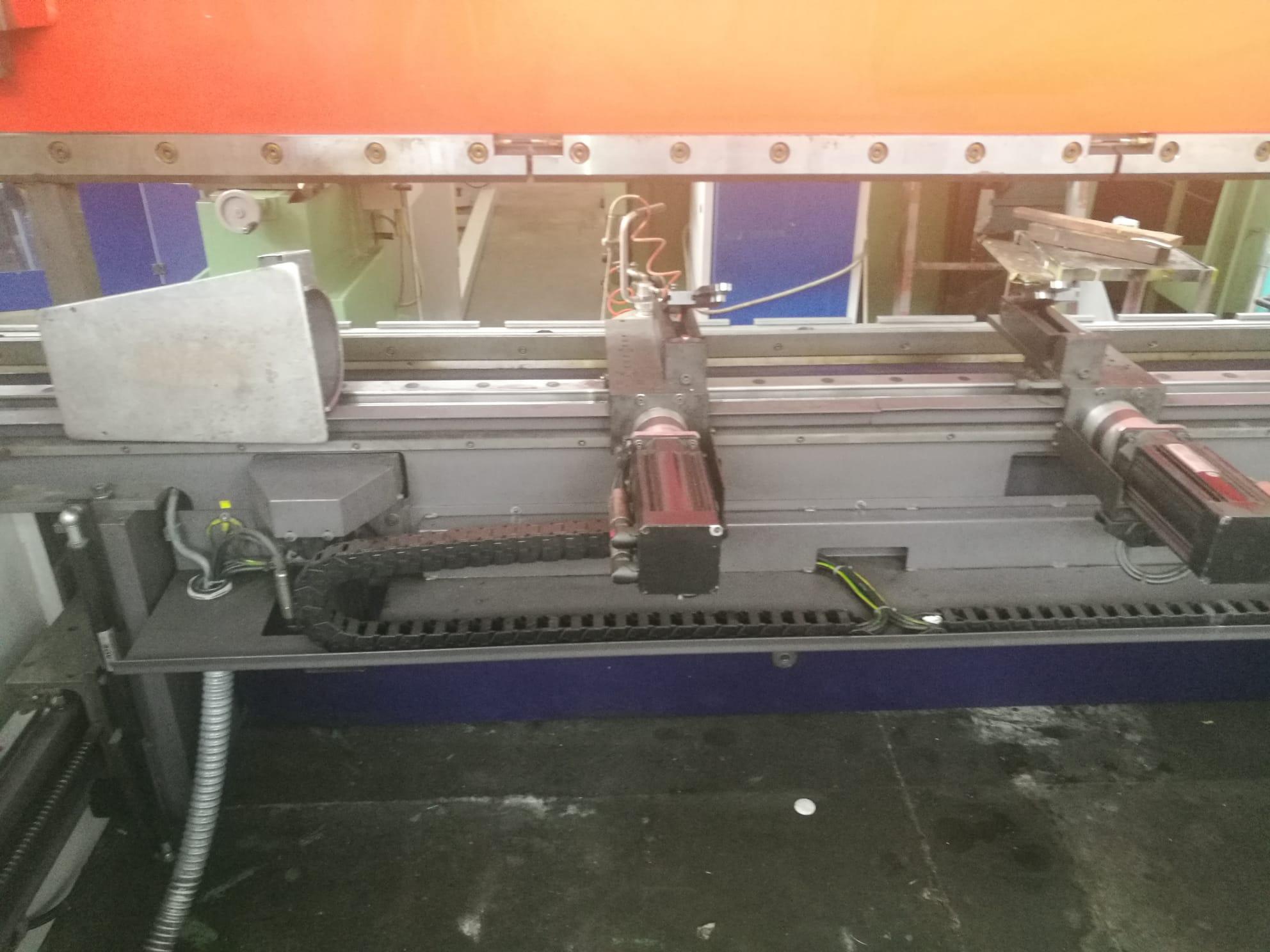 Piegatrice Beyeler pr 6 3100 mm x 100 ton 8 assi in vendita - foto 4