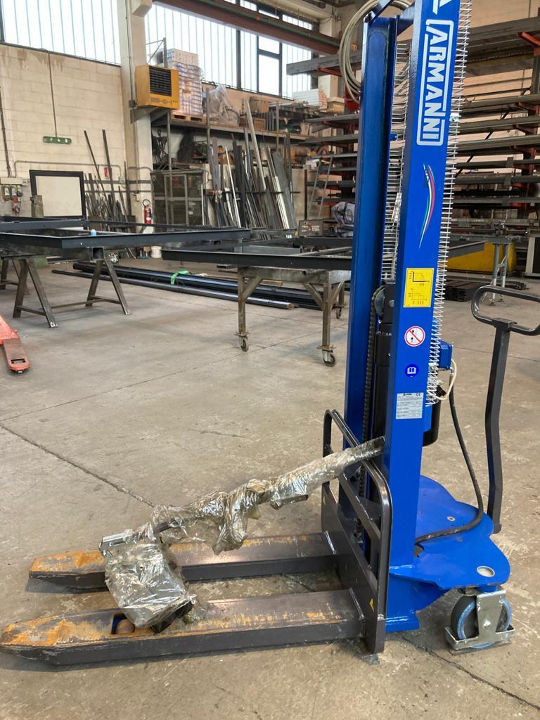 Carrello elevatore elettrico Armanni 1000 kg. in vendita - foto 4