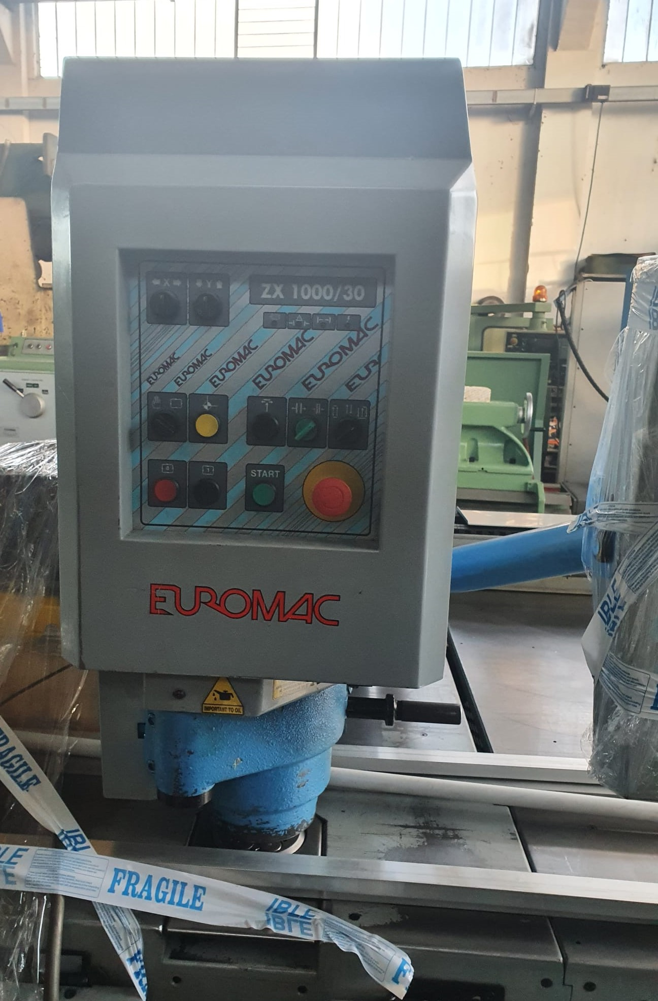 Punzonatrice CNC Euromac modello ZX 1000/30 in vendita - foto 2