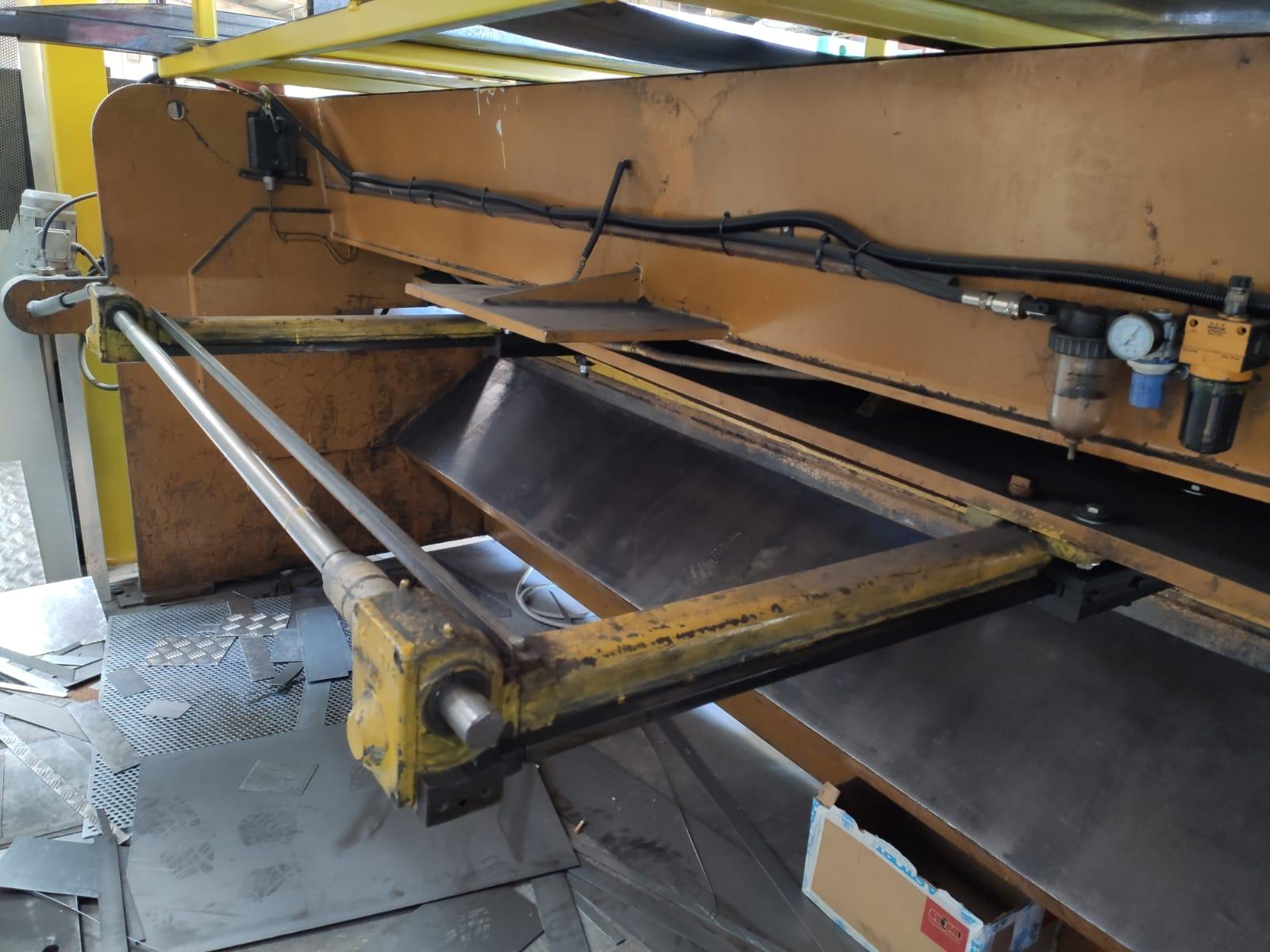Cesoia meccanica Somo mod 3000 mm x 4 mm in vendita - foto 4