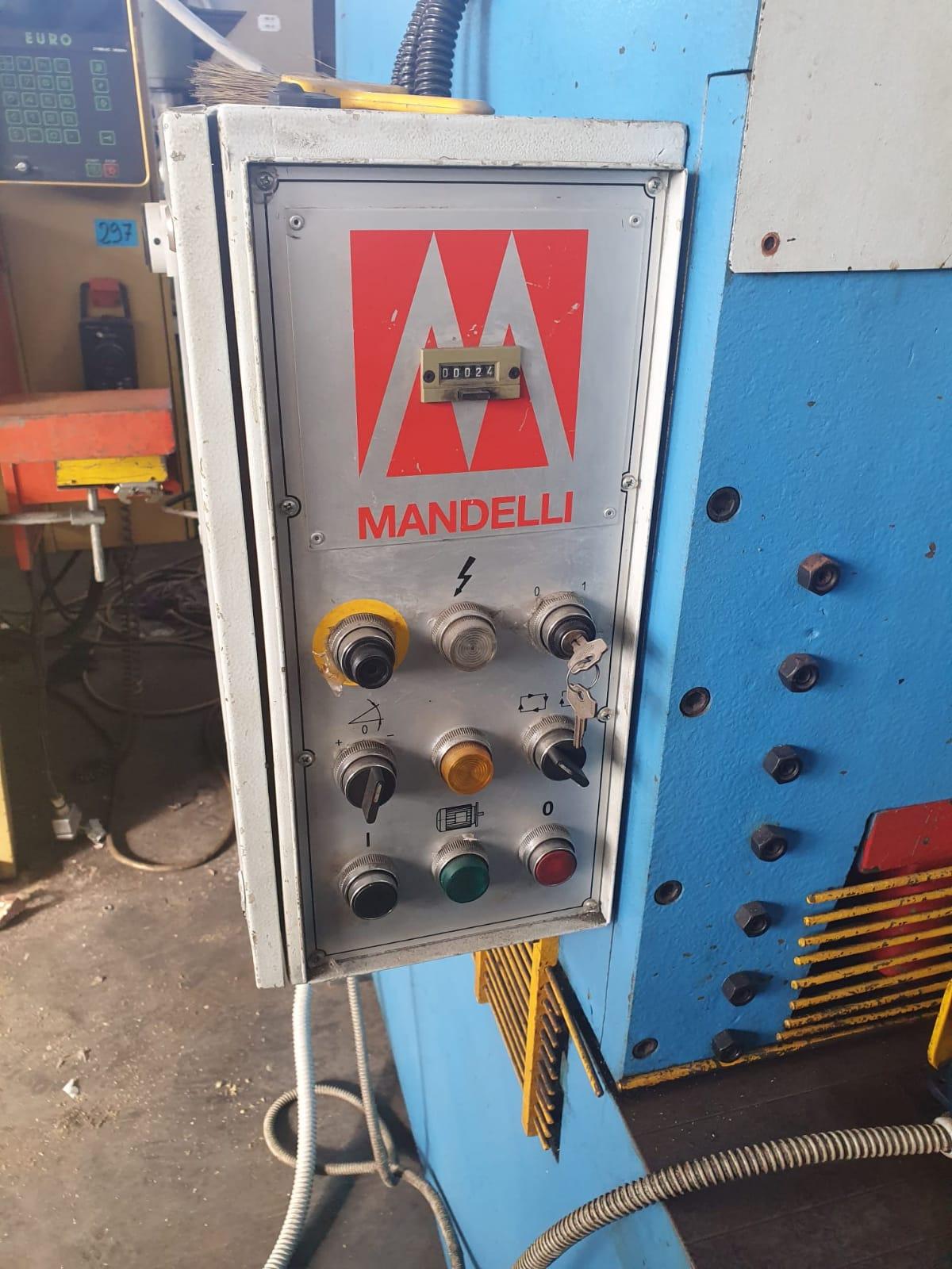 Cesoia a ghigliottina idraulica MANDELLI mod. CH 2004 in vendita - foto 3