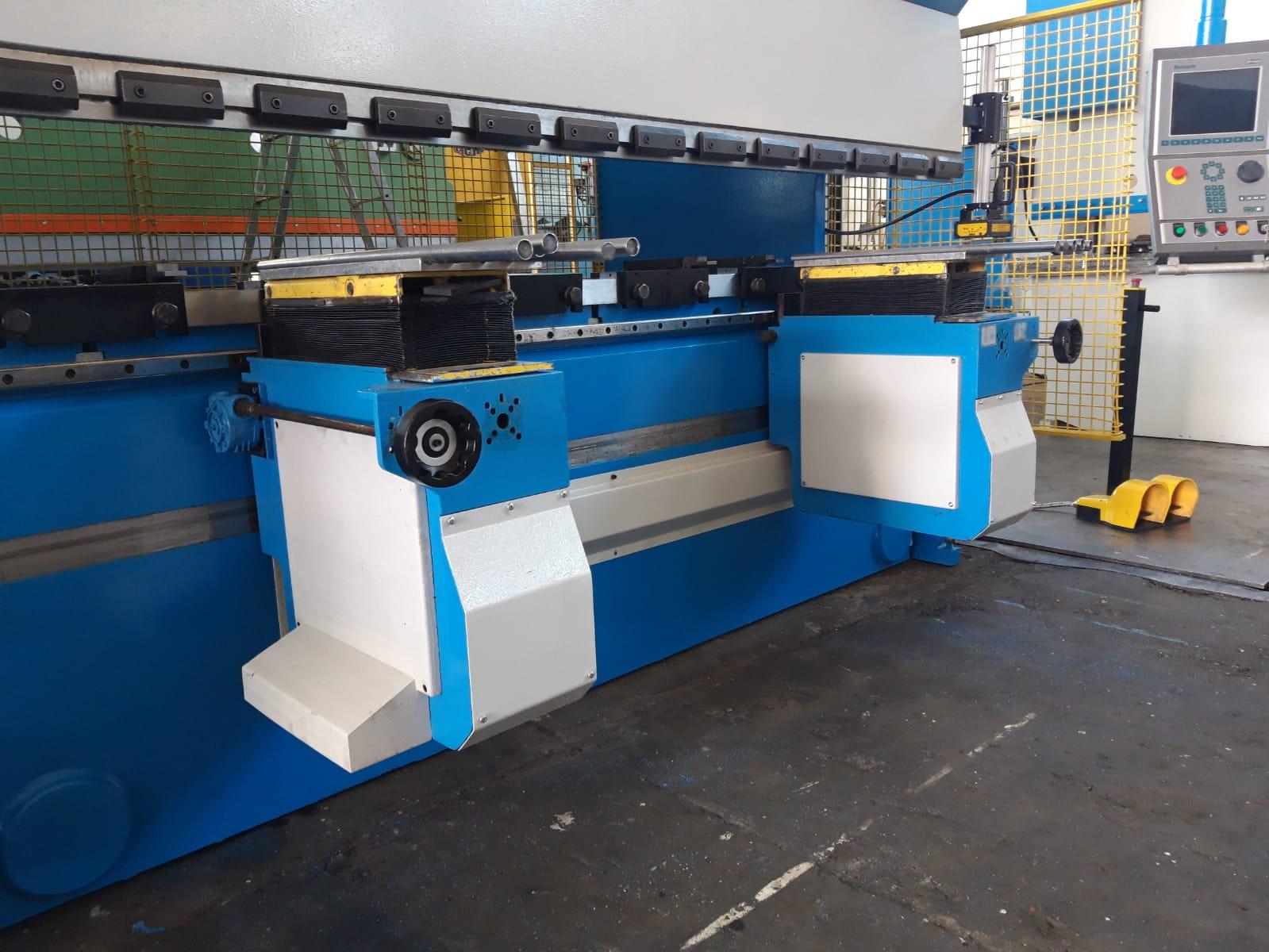 Piegatrice sincronizzata Gasparini 3000 mm x 105 ton in vendita - foto 5