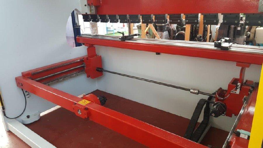 Piegatrice idraulica Toskar, easyfar 3100 x 175  in vendita - foto 3