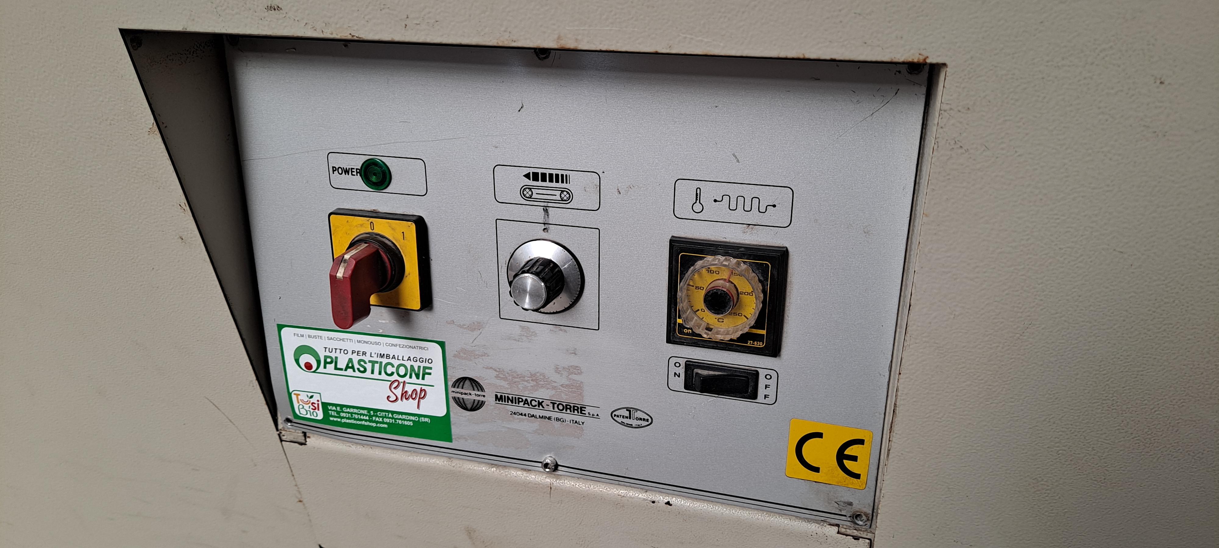CONFEZIONATRICE AUTOMATICA SEALMATIC 79T CON TUNNEL in vendita - foto 4