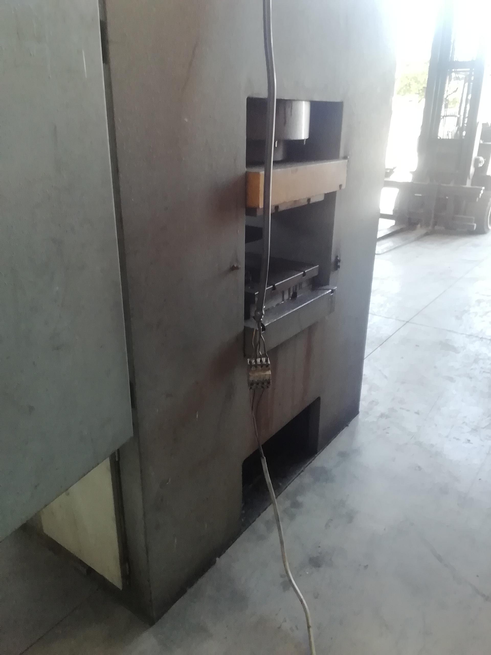 Pressa idraulica Cofluid 600 ton in vendita - foto 8